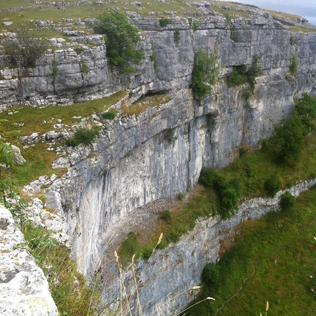 What is the most dramatic natural feature you have come across in the UK? Our choice it is the sheer cliff face of Malham Cove in Yorkshire which never fails to have that 'wow' factor however many times you visit.  #malham #malhamcove #dramaticlandscape