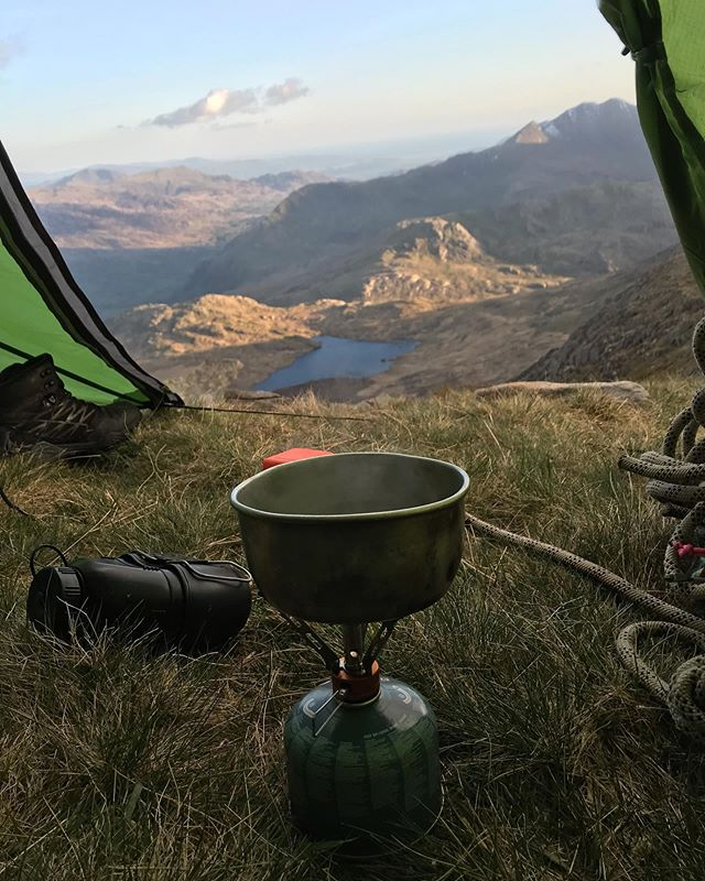 No better way to start you day with a coffee and a view like that.