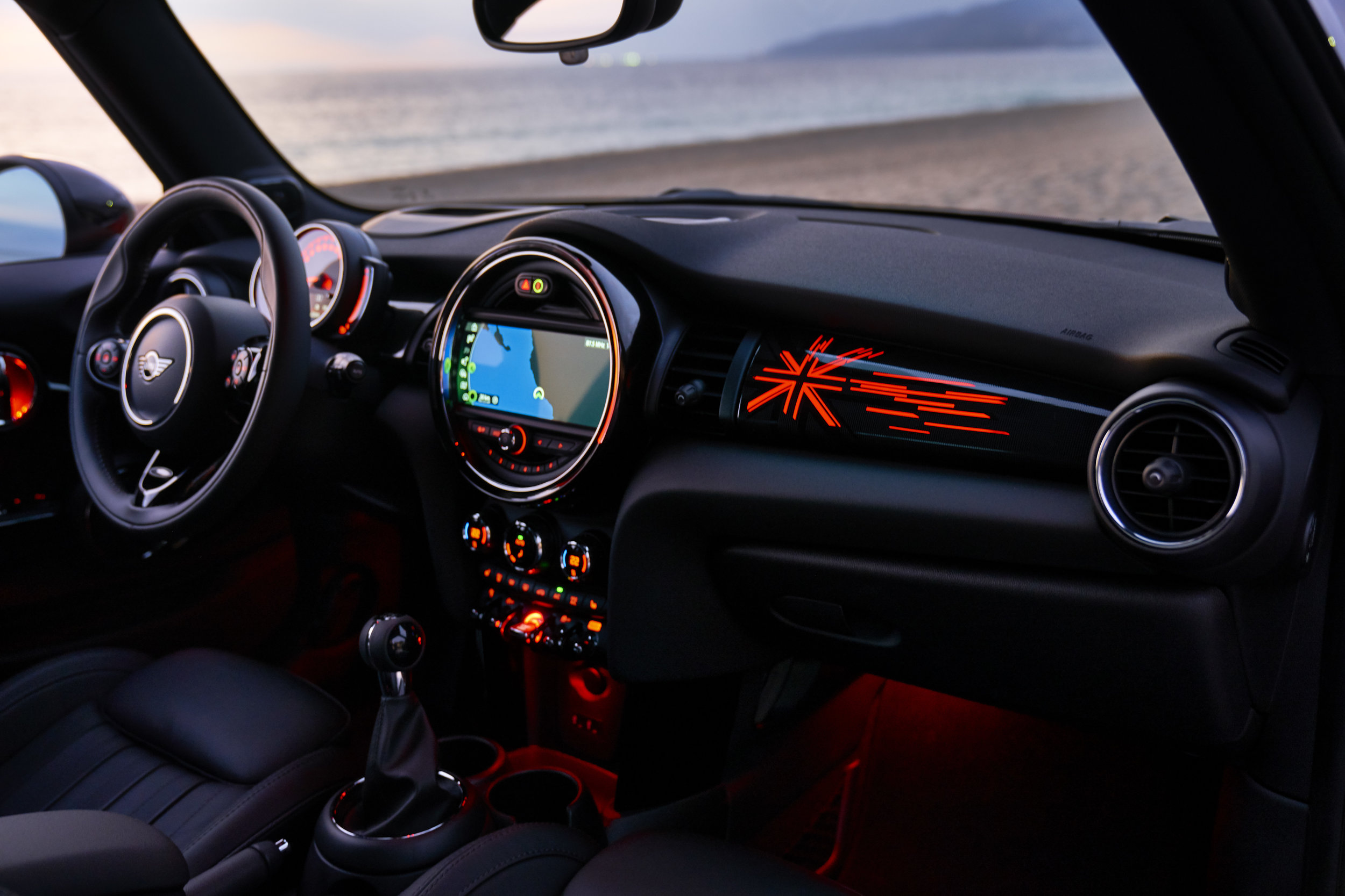 - Mini are giving more bits of tech as standard...jolly nice of them...