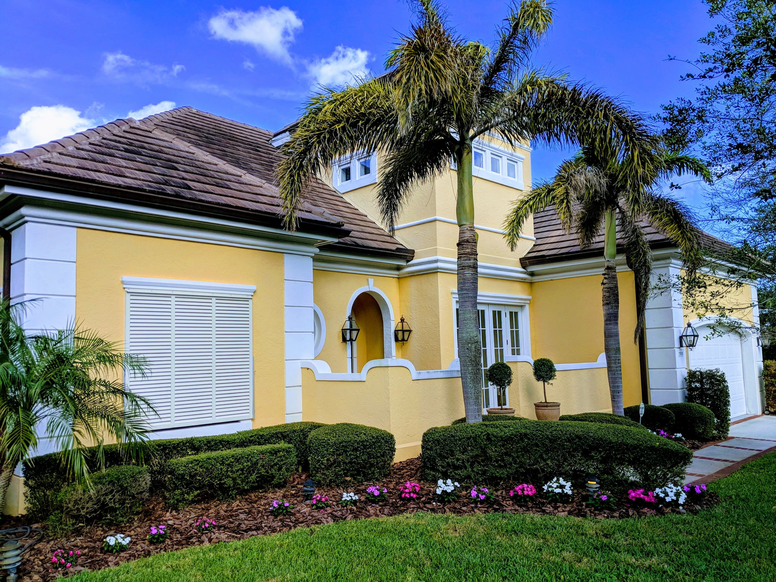 Exterior Painting - Call on Rick Reynolds Quality Painting for all your Exterior House Painting needs. We first will examine our exterior and provide you with our expect recommendation on any repairs required prior to paint or stain. Our team is experienced in a variety of siding and surface repairs at reasonable prices. After repairs, all surfaces and substrates will be washed and cleaned prior to exterior paint or stain applications. Once all the necessary preparation is completed, then we will apply the appropriate top quality paint or stain. You will be impressed with the results.