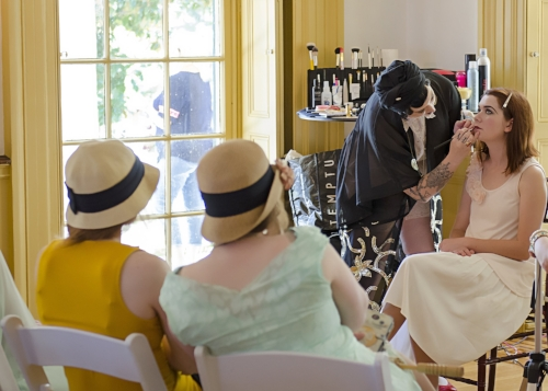 Professional stylists Jessica Saint and Destinee Cushing of Vinspire will give make-up and hair styling demonstrations in the mansion. Learn how to get that Great Gatsby look!