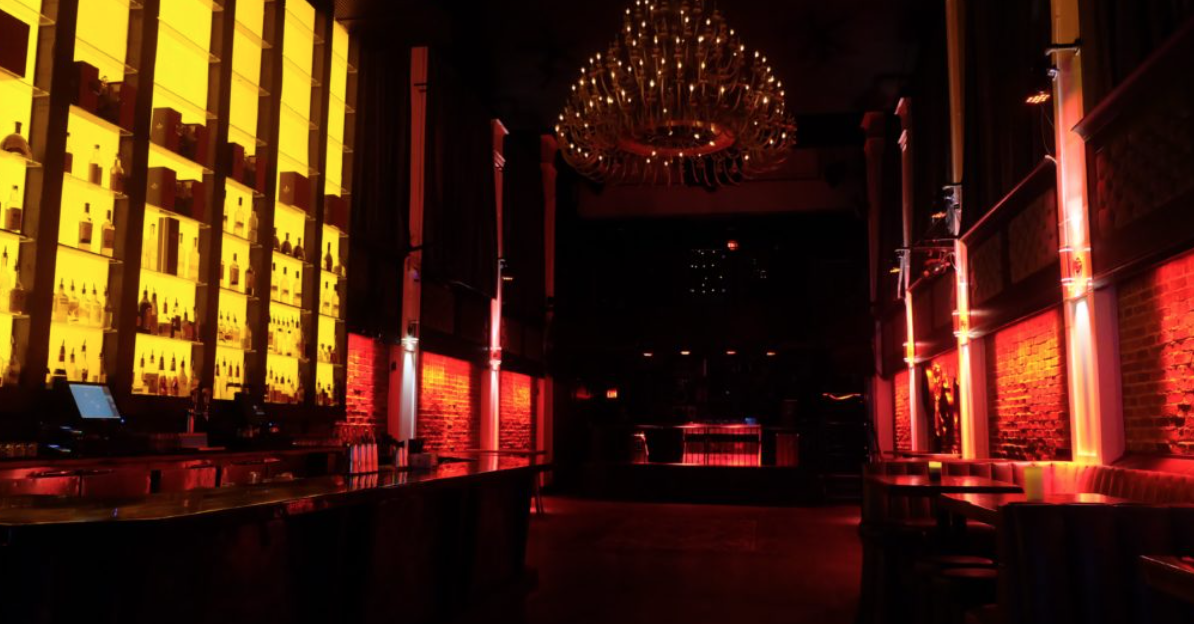 Studio Nightclub - Cap: 275Right in the heart of Downtown Vancouver Granville Entertainment District, Studio Lounge & Nightclub is unlike any other nightclubs in Vancouver. Offering 5500+ square feet of open space of sophistication, high ceilings, state of the art chandelier and lighting systems.
