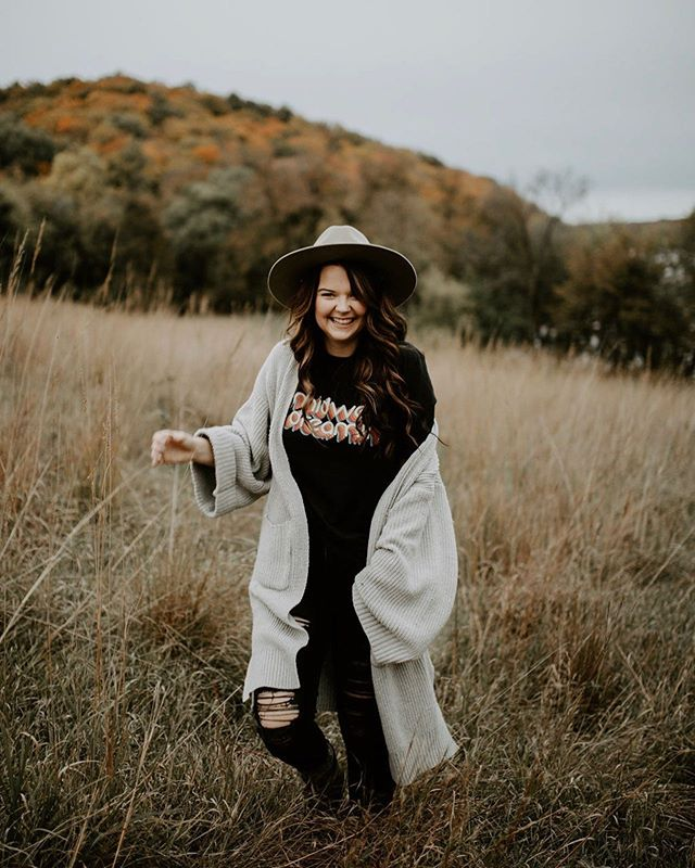 Are you new to the Moose Apparel Fam or have you been following this brand for a while? Regardless, we'd love to hear from you :) 📸: @sophiegracephoto . . . . . . . . #MidwestisBest #Midwest #MidwestAdventure #MidwestMoment #MidwestViews #MidwestLife #OptOutside #Adventure #MidwestOutdoors #WanderOften  #MidwestExplorers #WeekendWarrior #TheMightyMidwest