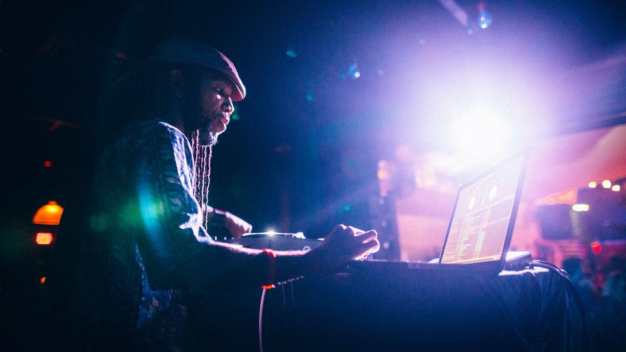 Cuban DJ Jigüe plays at Miami 1306
