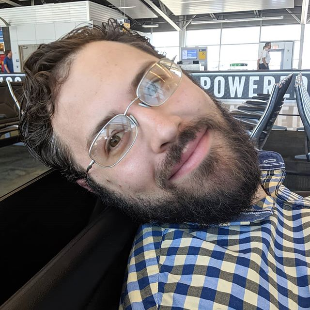 Birthday boy! Too bad we have to spend the day in the airport but happy 31st birthday, Andrew! 🎂🍰🧁