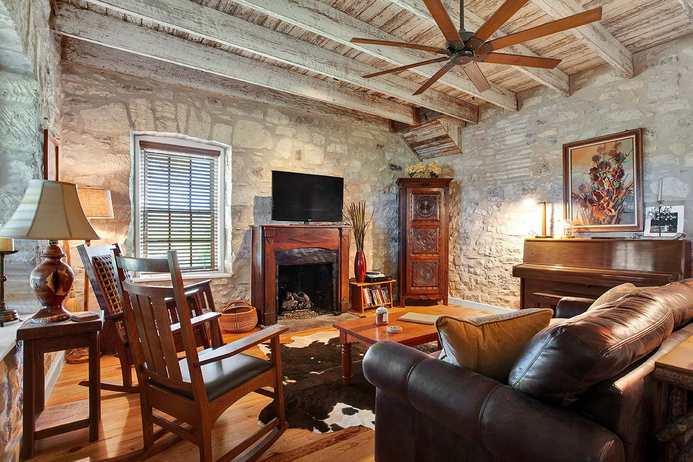 fredericksburg-realty-squaw-creek-ranch-real-estate-land-for-sale-home-house-historic-3.jpg