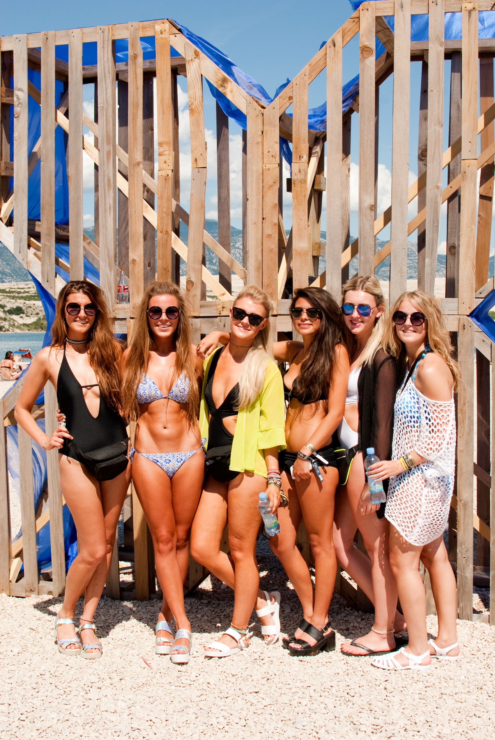 GeorginaCook_hideout_festival_croatia_beach_girls.jpg