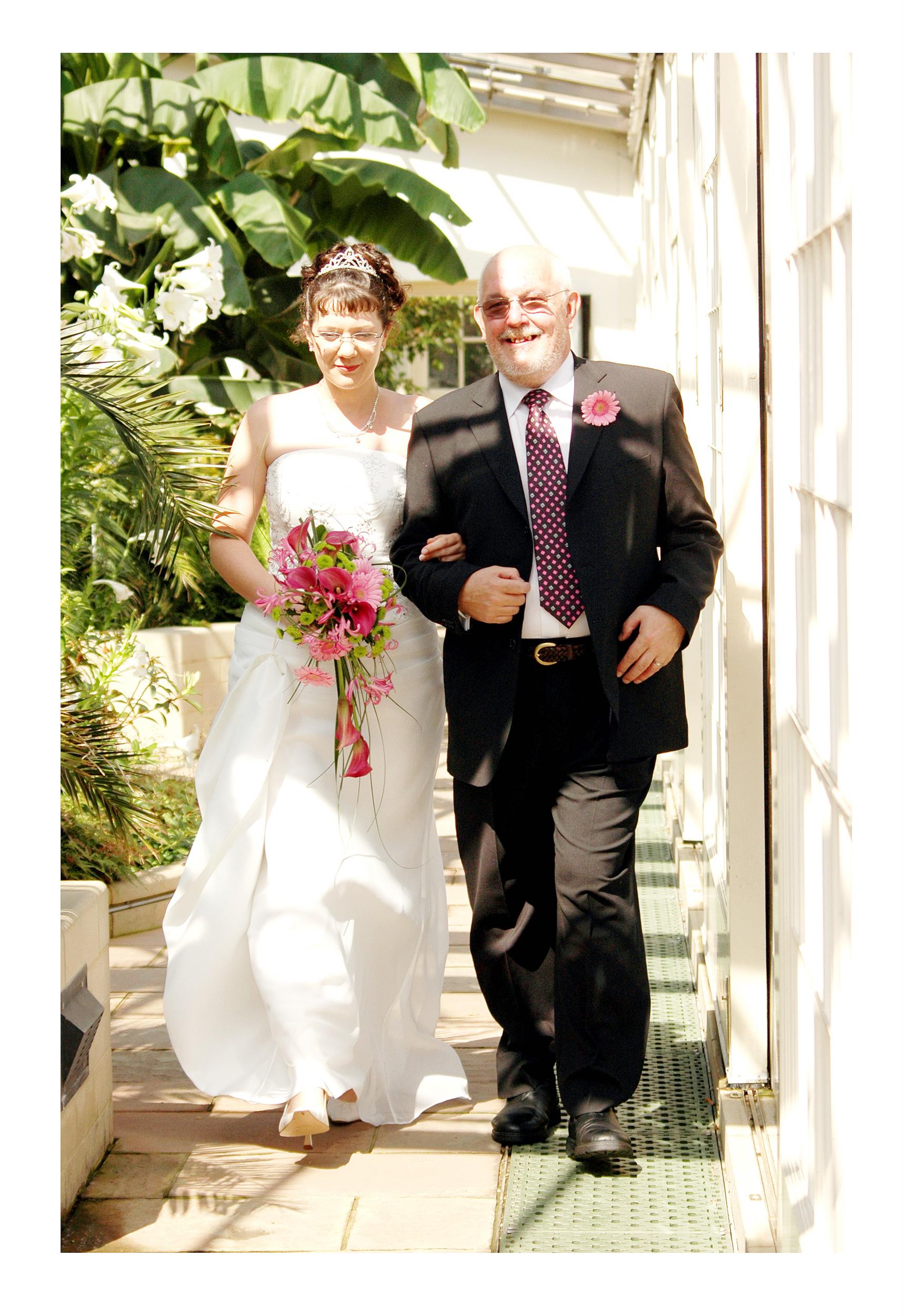 REPORTAGE-WEDDING-PHOTOGRAPHY-SET-UK-7.jpg
