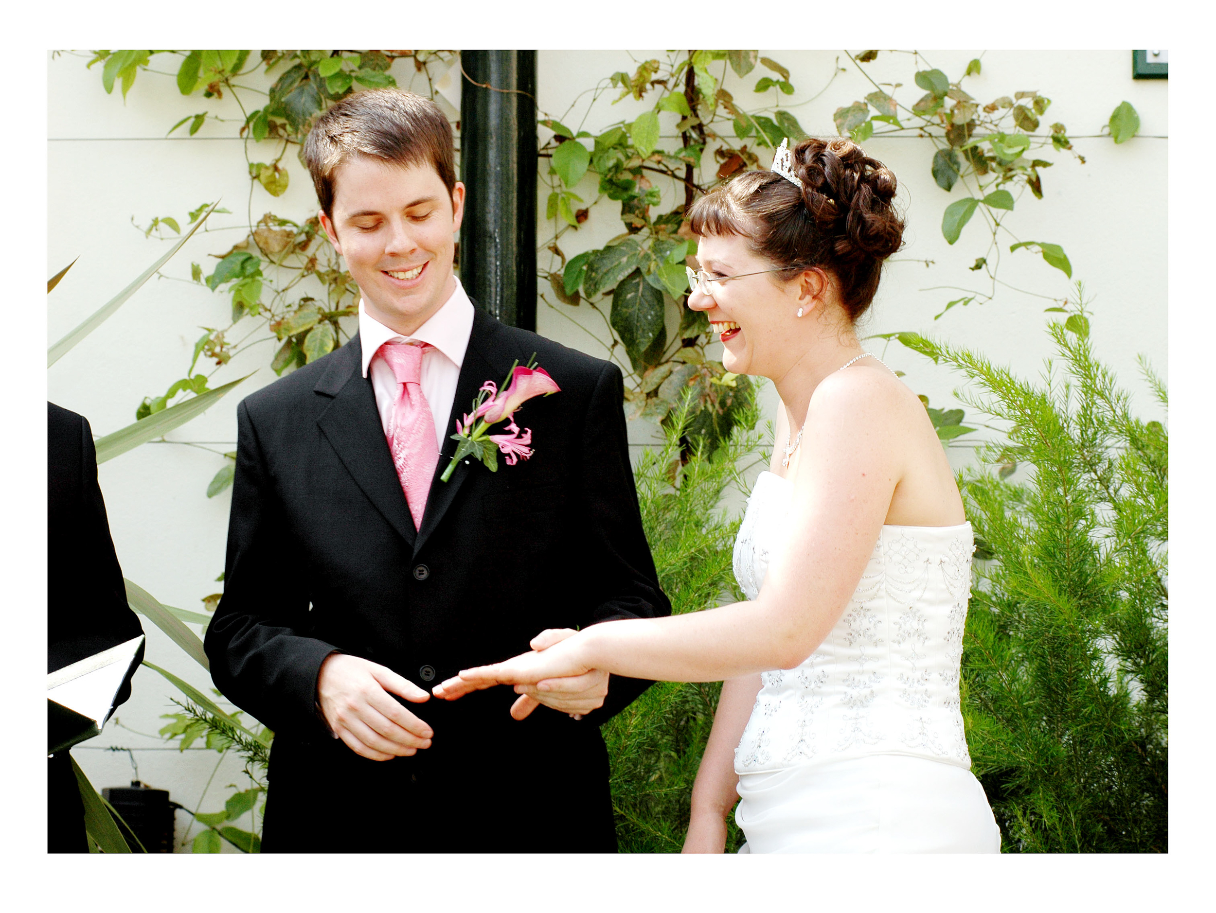 REPORTAGE-WEDDING-PHOTOGRAPHY-SET-UK-15.jpg