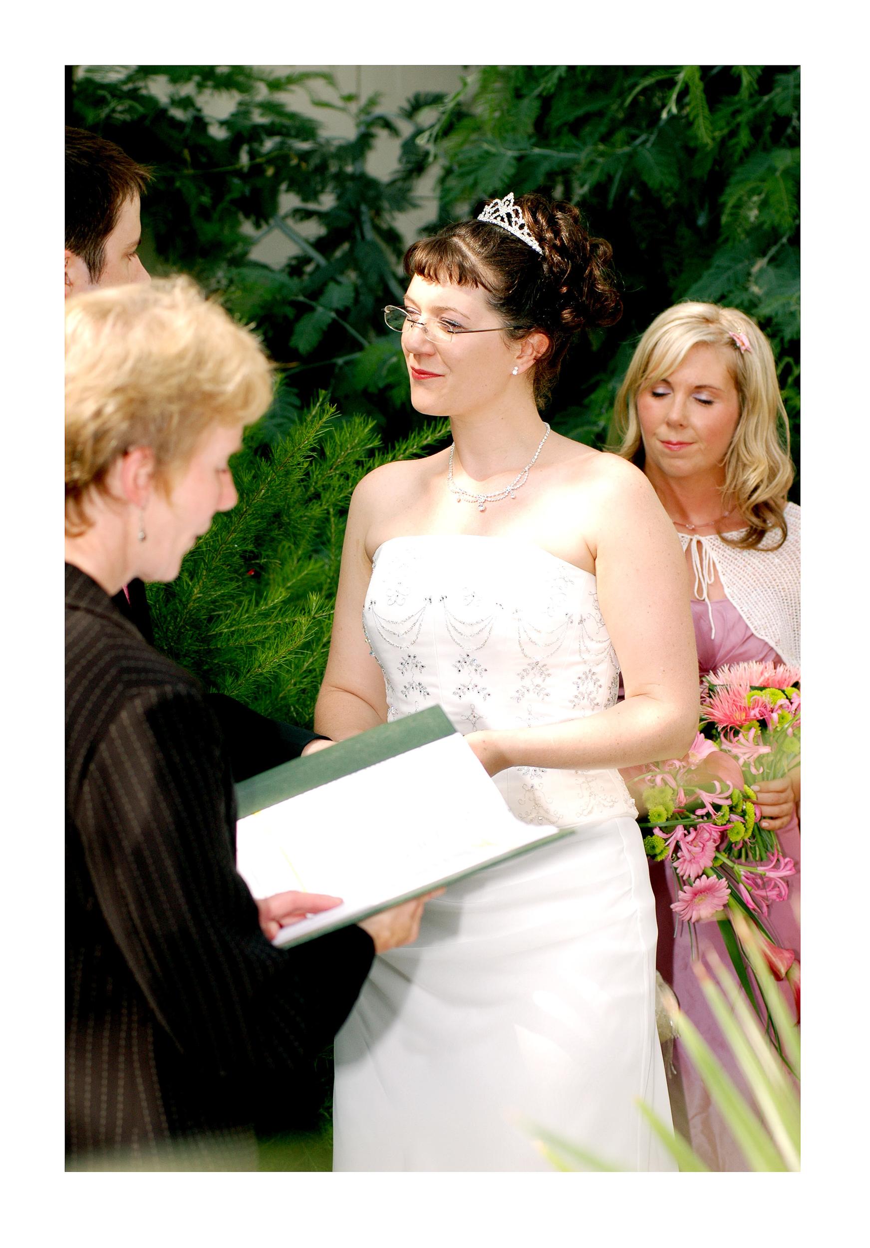 REPORTAGE-WEDDING-PHOTOGRAPHY-SET-UK-17.jpg