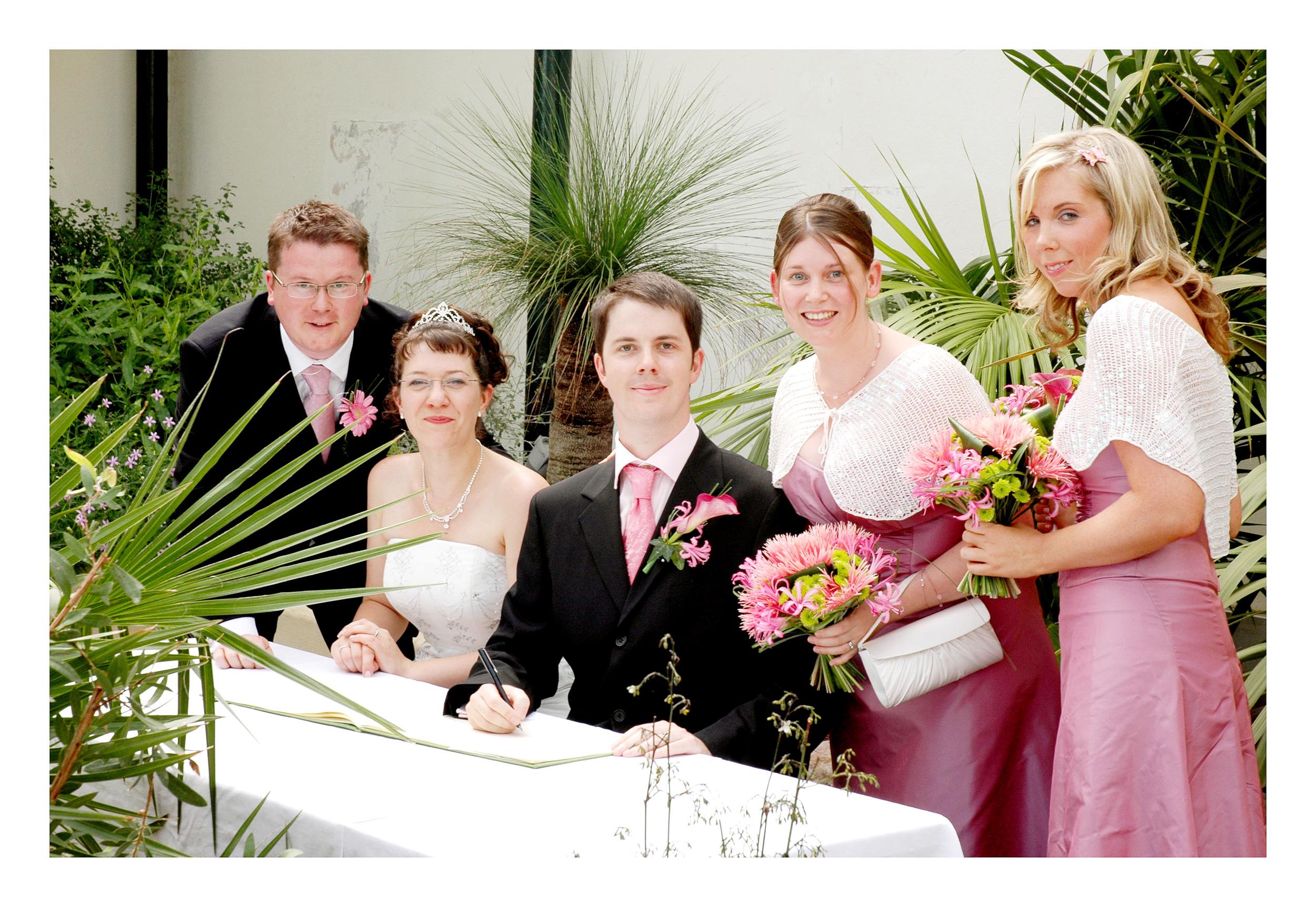 REPORTAGE-WEDDING-PHOTOGRAPHY-SET-UK-19.jpg