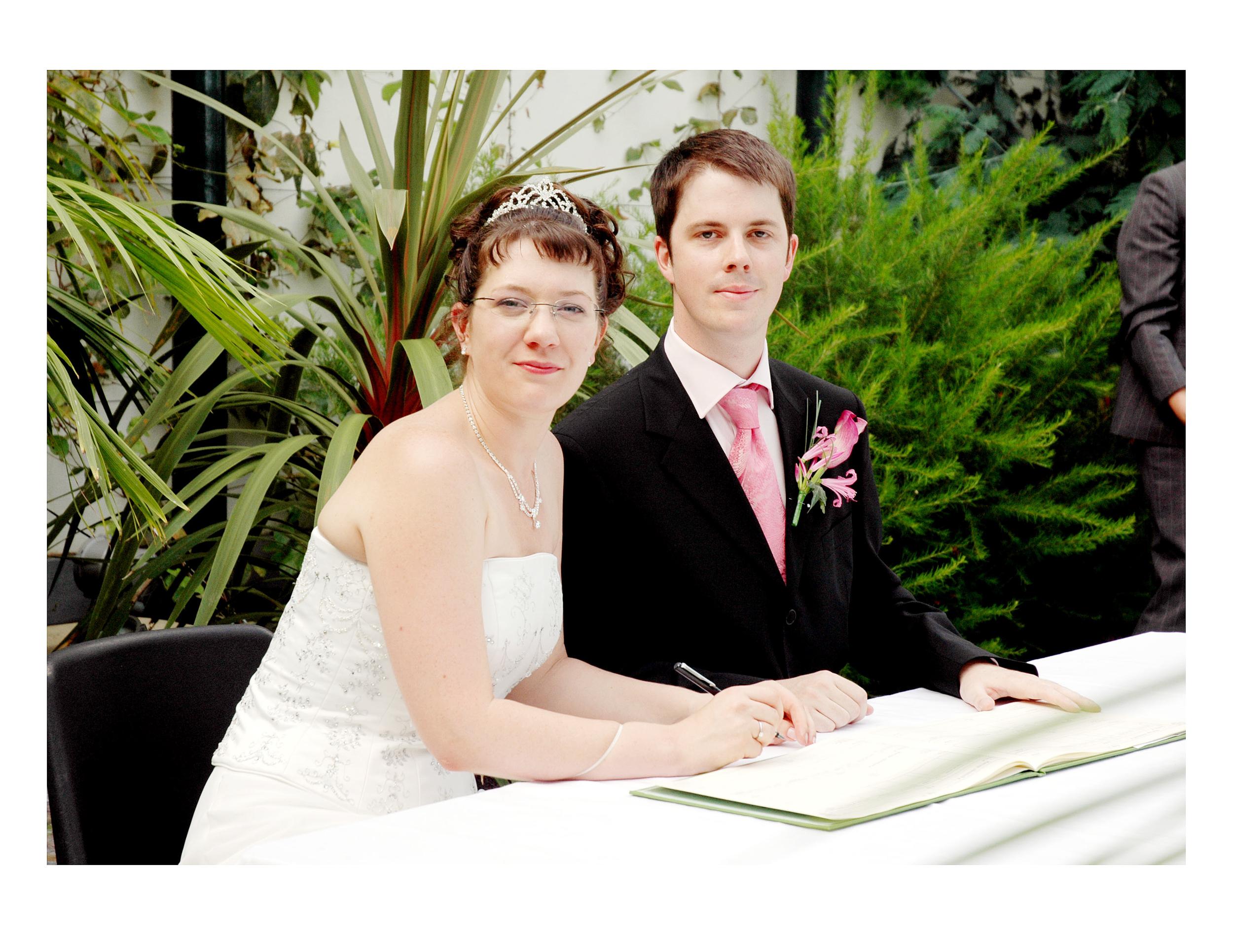 REPORTAGE-WEDDING-PHOTOGRAPHY-SET-UK-20.jpg