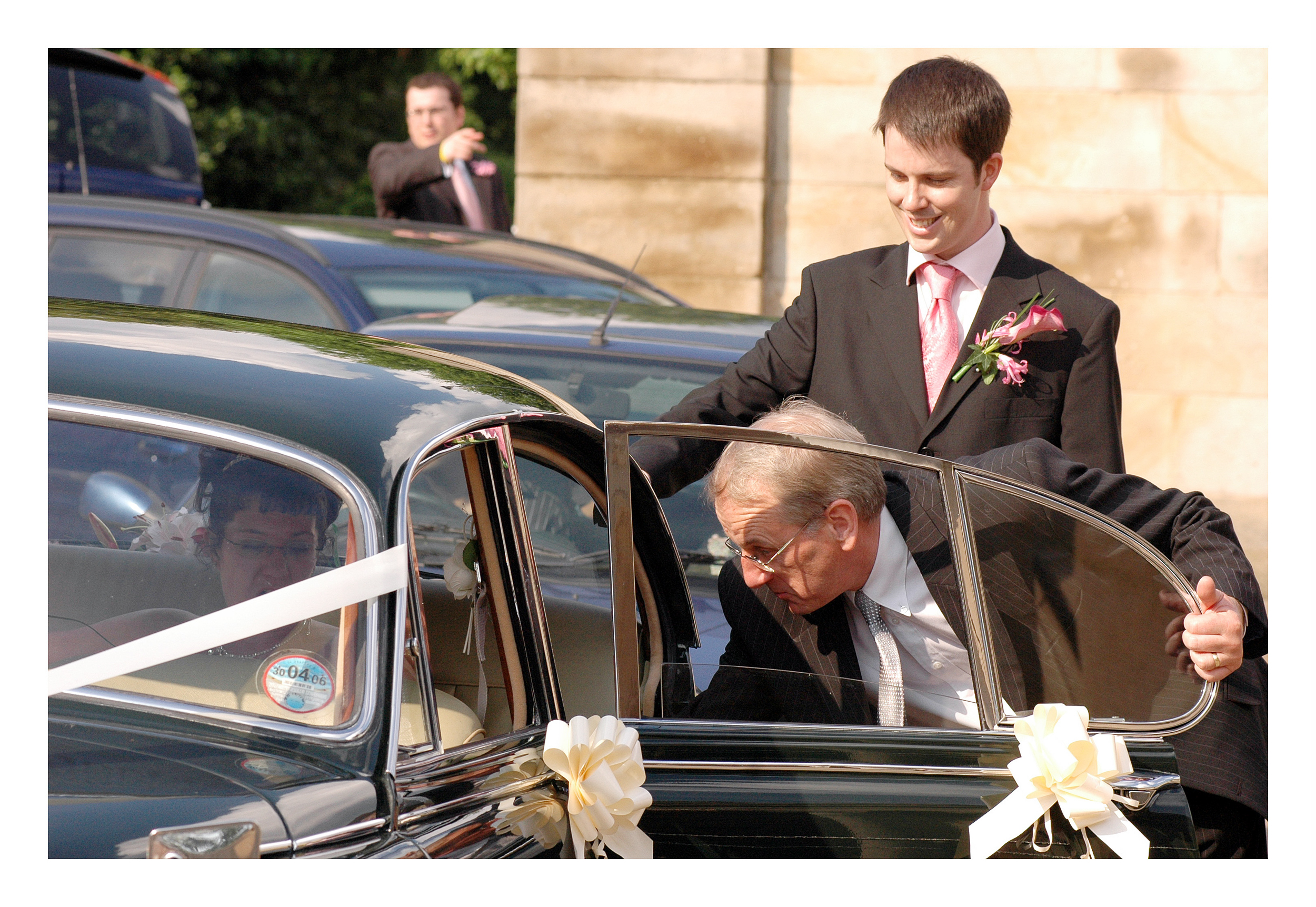 REPORTAGE-WEDDING-PHOTOGRAPHY-SET-UK-33.jpg