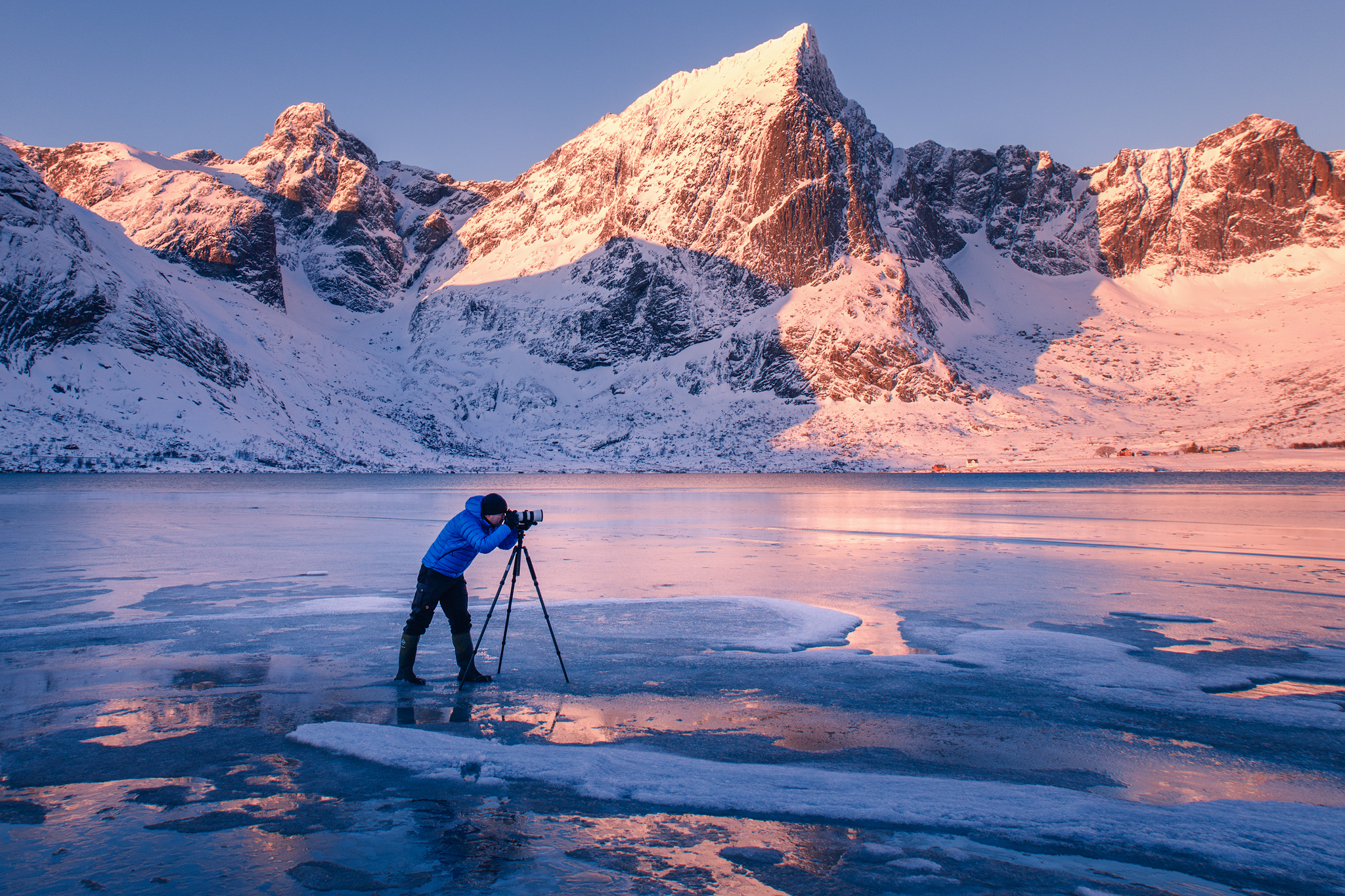 Photographing Lofoten, Norway (Image by: Mikkel Beiter)