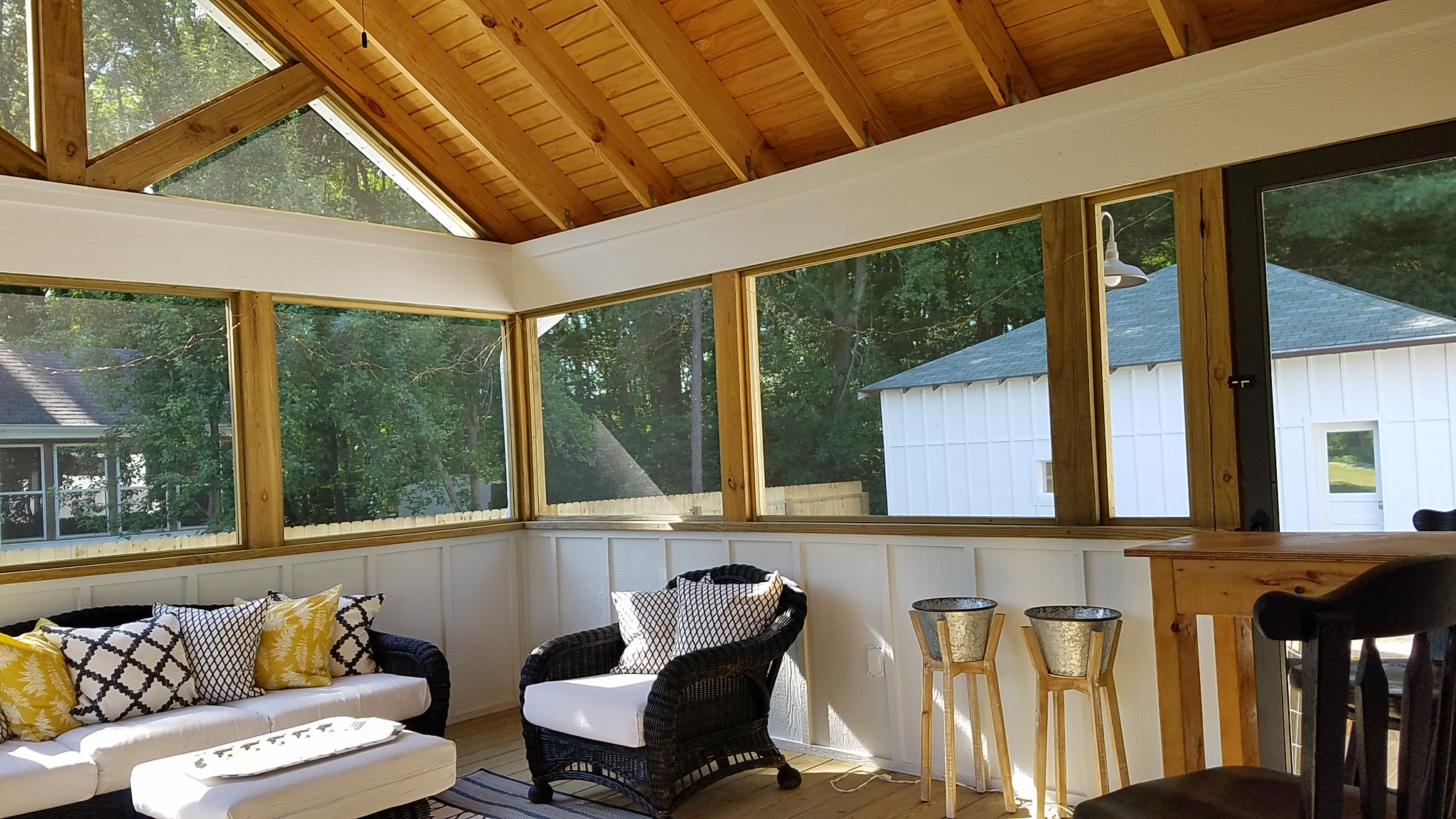 a lake effect screen porch and back (7).jpg
