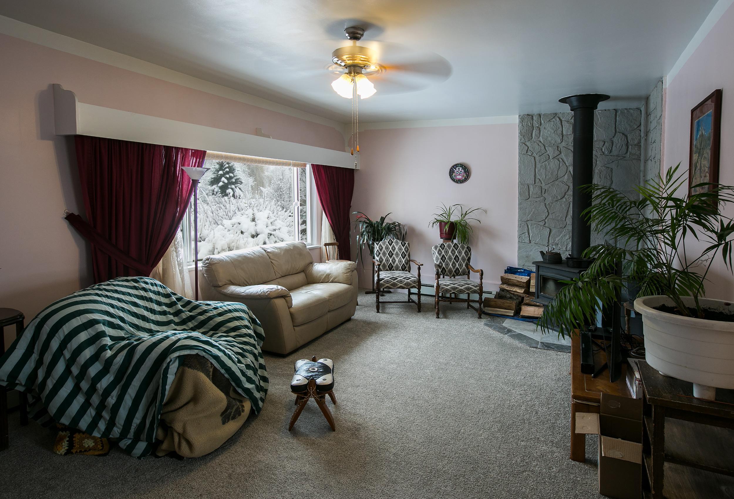 Parker-Real-Estate-12818-Armstrong-16.jpg