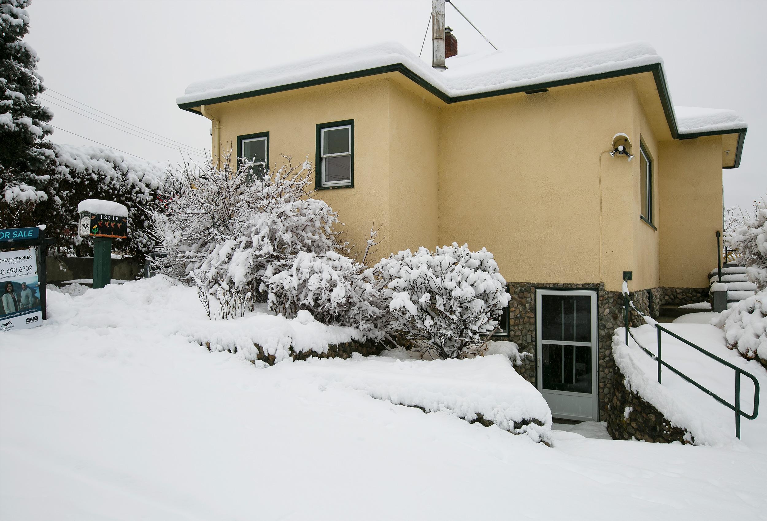 Parker-Real-Estate-12818-Armstrong-20.jpg