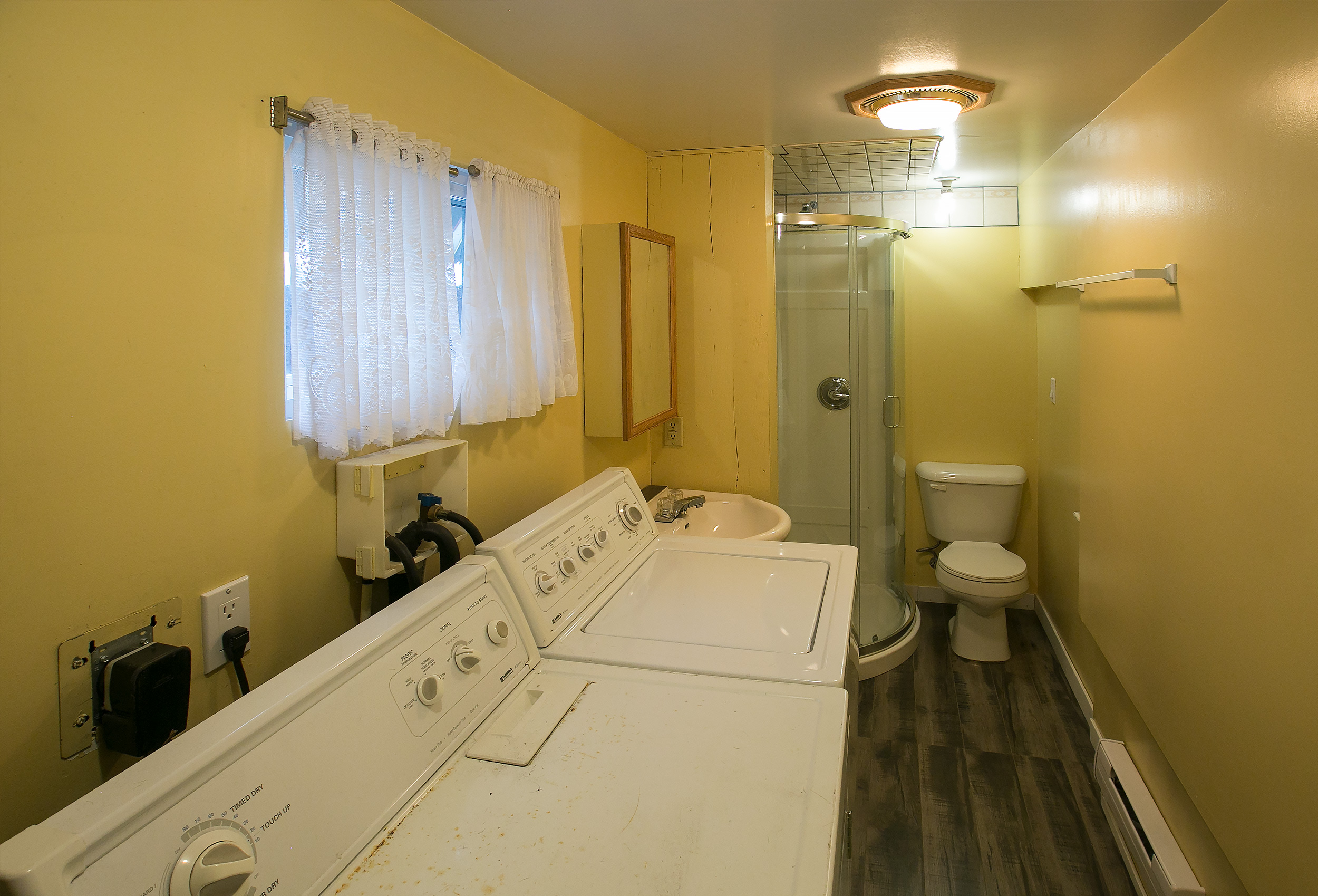Parker-Real-Estate-12818-Armstrong-18.jpg