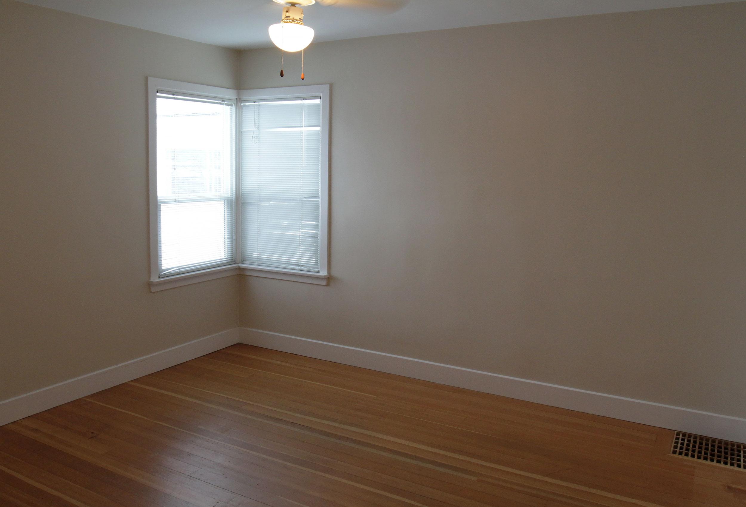 Parker-Real-Estate-12428-Victoria-Rd-12.jpg