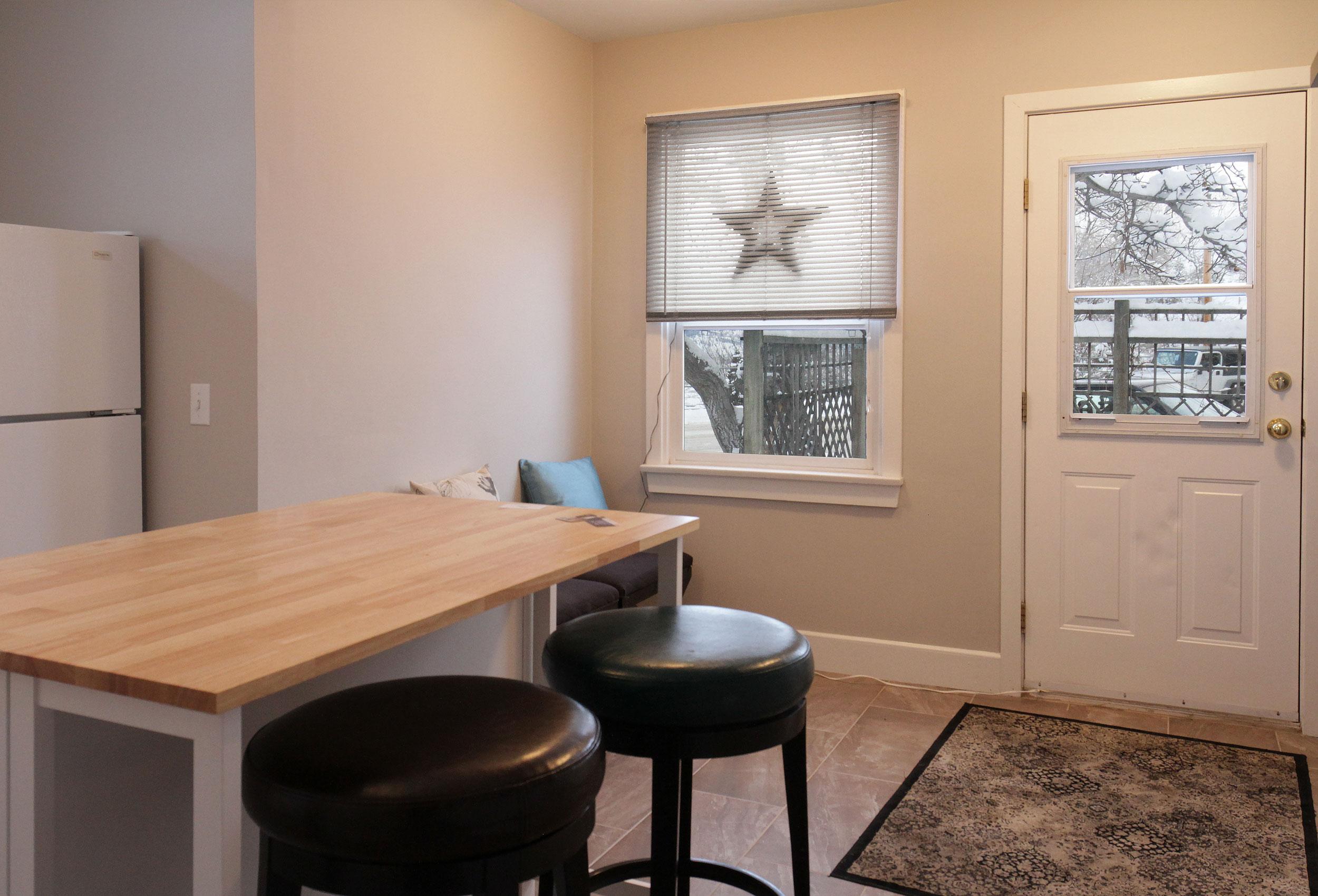 Parker-Real-Estate-12428-Victoria-Rd-16.jpg