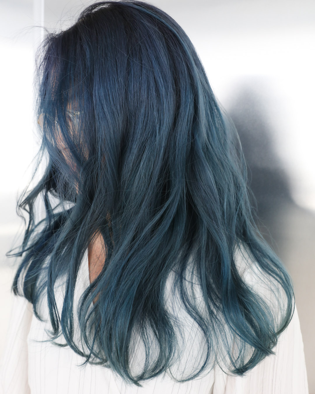 TEAL BLUE - MENUWhole-head bleach, Colour, Blow wave and stylePRICEapprox. $595(Whole-head bleach long $350, Colour long $180, Blow wave and style from $65)TIMEapprox. 4 hours