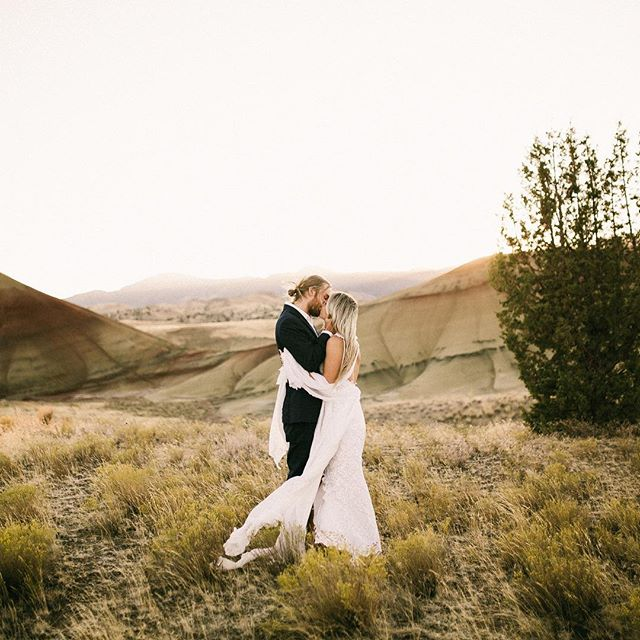 Love this dude. . . .  #belovedstories #authenticlovemag #dirtybootsmessyhair #justalittleloveinspo #radlovestories #oregonphotographer #firstandlasts #australianphotographer #couplegoals #relationshipgoals #livefolk #justgoshoot #instagood #instagram #radstorytellers #wanderingphotography #rad_couples #anotherwildstory #muchlove_ig #wedventuremag #bohochic #loveandwildhearts #wildhearts #wanderlust #centraloregonweddings #destinationwedding #happilyeverwild #boho #freespirits #graceloveslace