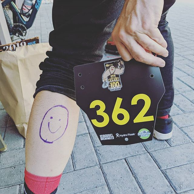 Ready to roll for #highcascades100 - attitude is set (asked the O at marking to be a smiley), number is on, @rebulamtb bike is diiiialed, and drop bags dropped. It's gonna be a great day! Who else is going?