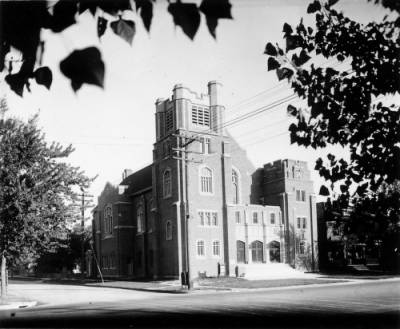Exterior of the Barnitz Memorial Lutheran Church sometime around 1910 Photo courtesy NYC digital collection