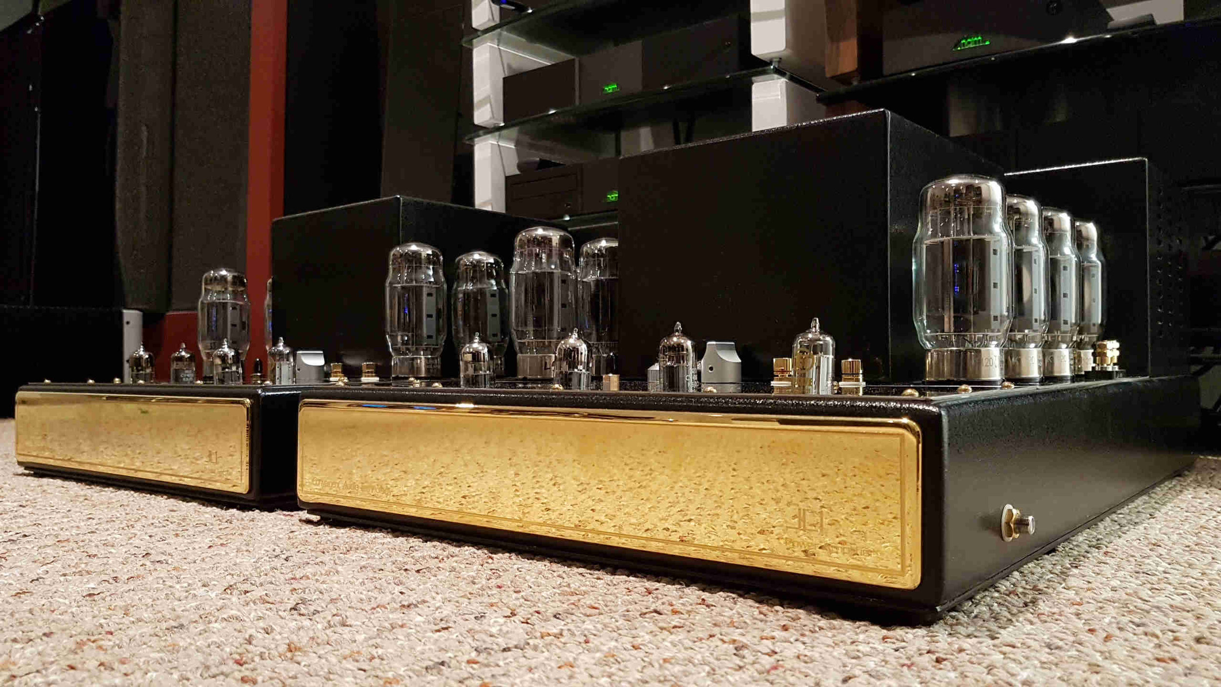 Convergent Audio Technology JL-1 RARE! - $11,500 - Convergent Audio Technology JL-1Pure Class A Triode Tube AmplifiersKT120 output tubesRemovable tube cagesVery good condition. Fully checked, biased, tested and ready to go.