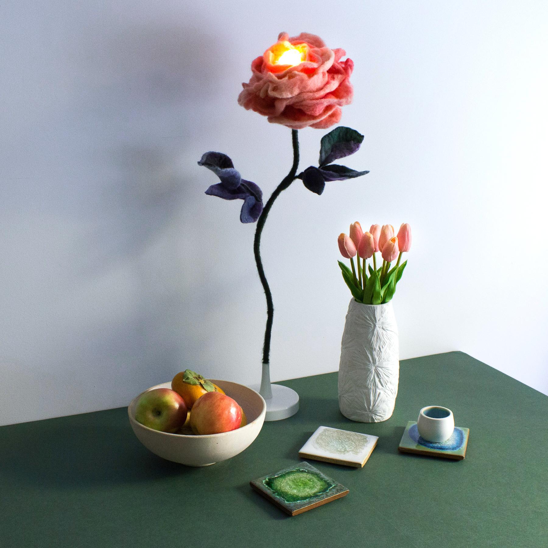 felt-flower-lamp_Peach_Adelya-Tumasyeva_6.jpg