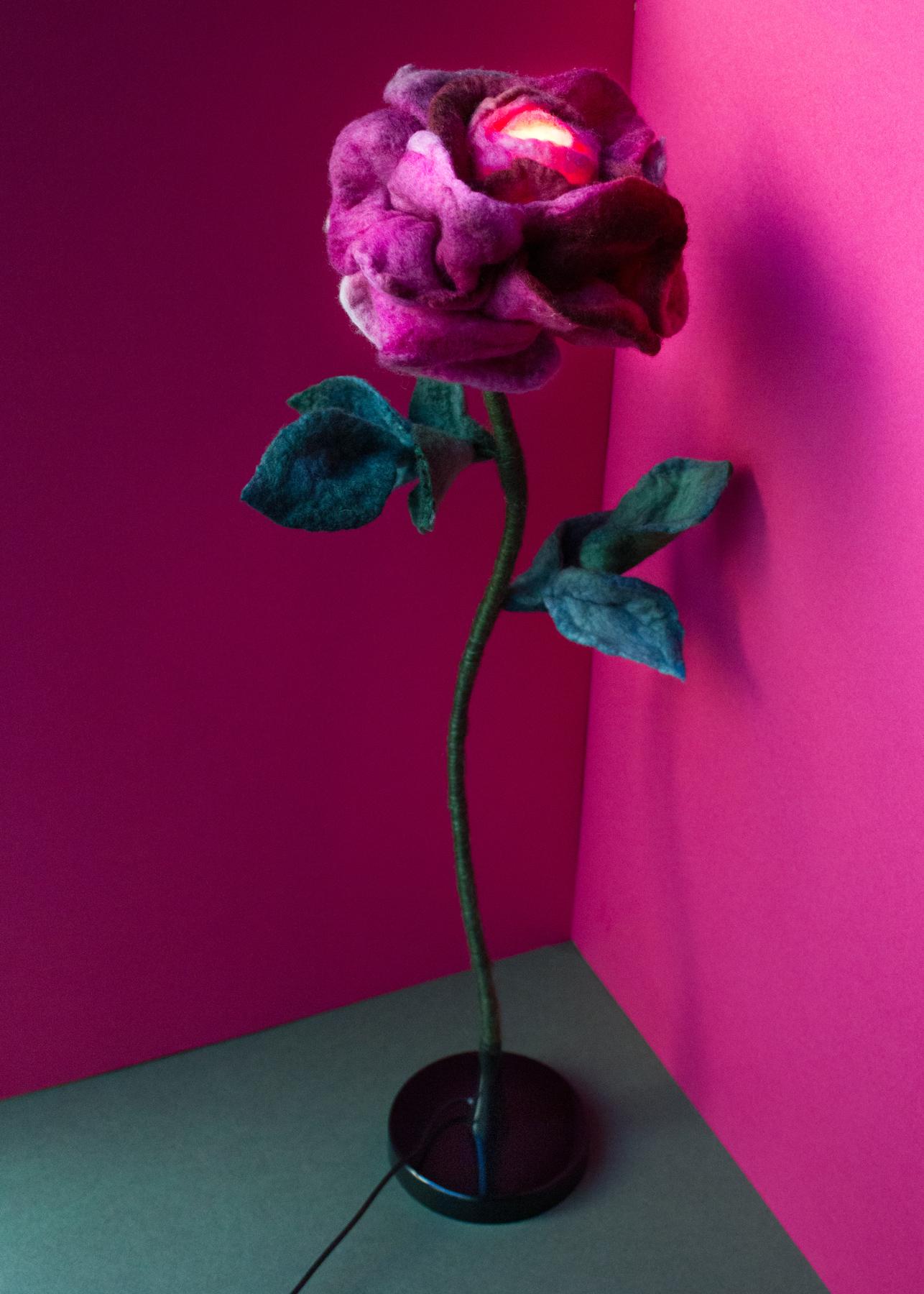 felt-flower-lamp_Wine-Rose_Adelya-Tumasyeva_3.jpg