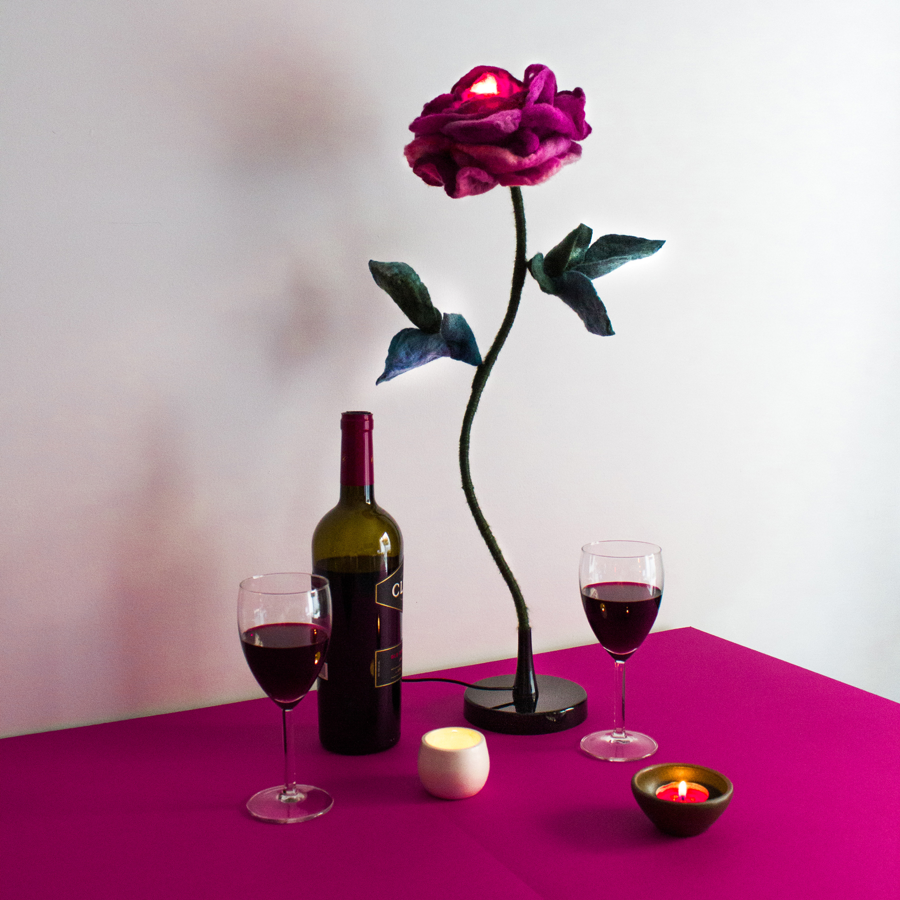 felt-flower-lamp_Wine-Rose_Adelya-Tumasyeva_1.jpg