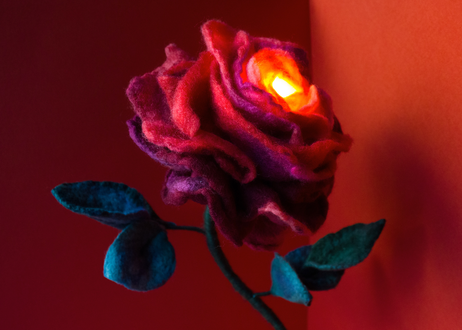 felt-flower-lamp_Cherry-Rose_Adelya-Tumasyeva_6.jpg