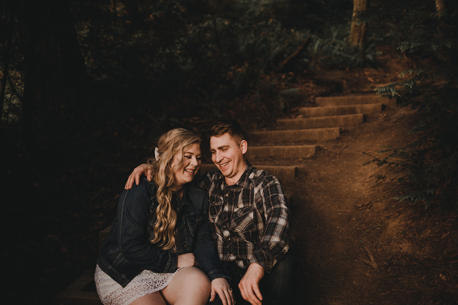 teddy-bear-cove-chuckanut-drive-bellingham-washington-engagement-megan-gallagher-photography
