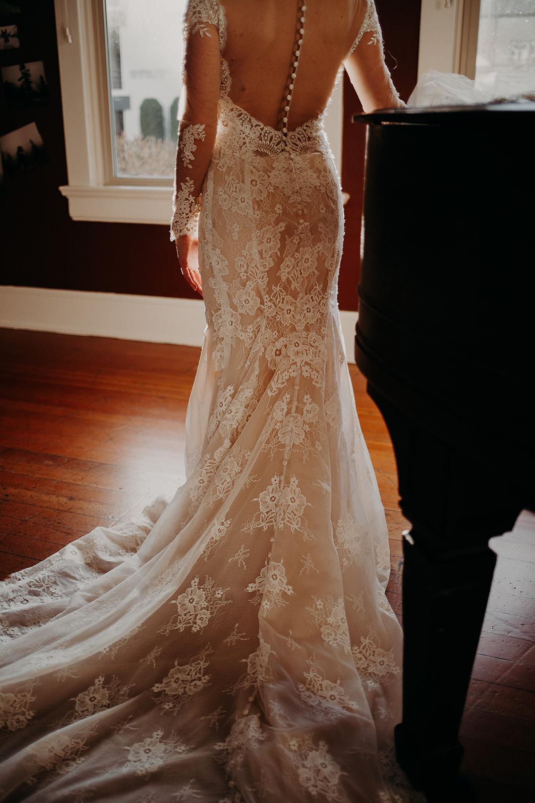 getting-ready-broadway-hall-bellingham-wedding-megan-gallagher-photography (227 of 381).jpg
