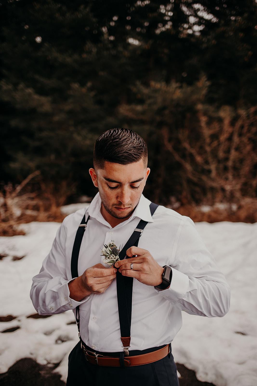 winter-mountain-elopement-asheville-wedding-photographer-megan-gallagher-photographer (4).jpg