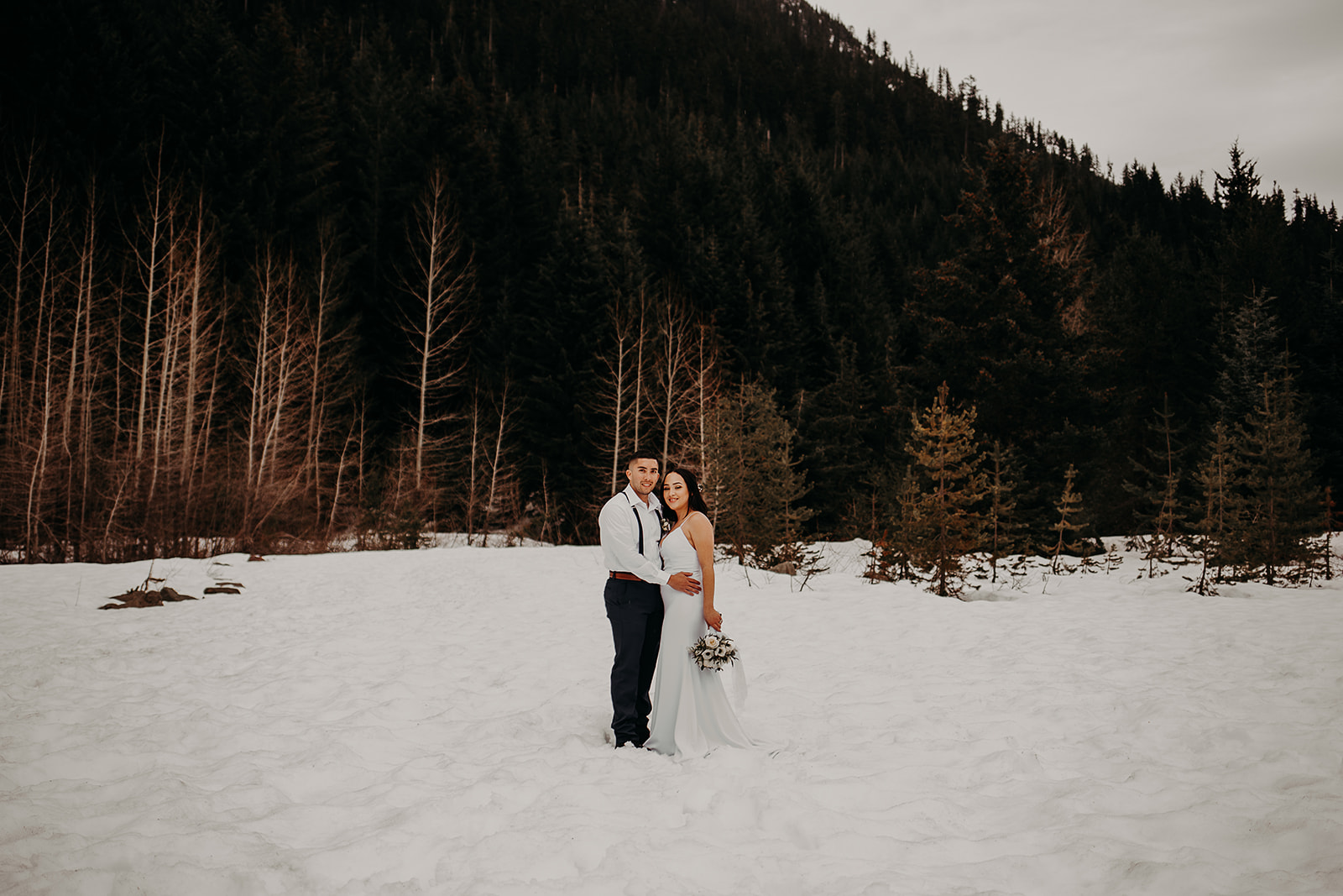 winter-mountain-elopement-asheville-wedding-photographer-megan-gallagher-photographer (15).jpg