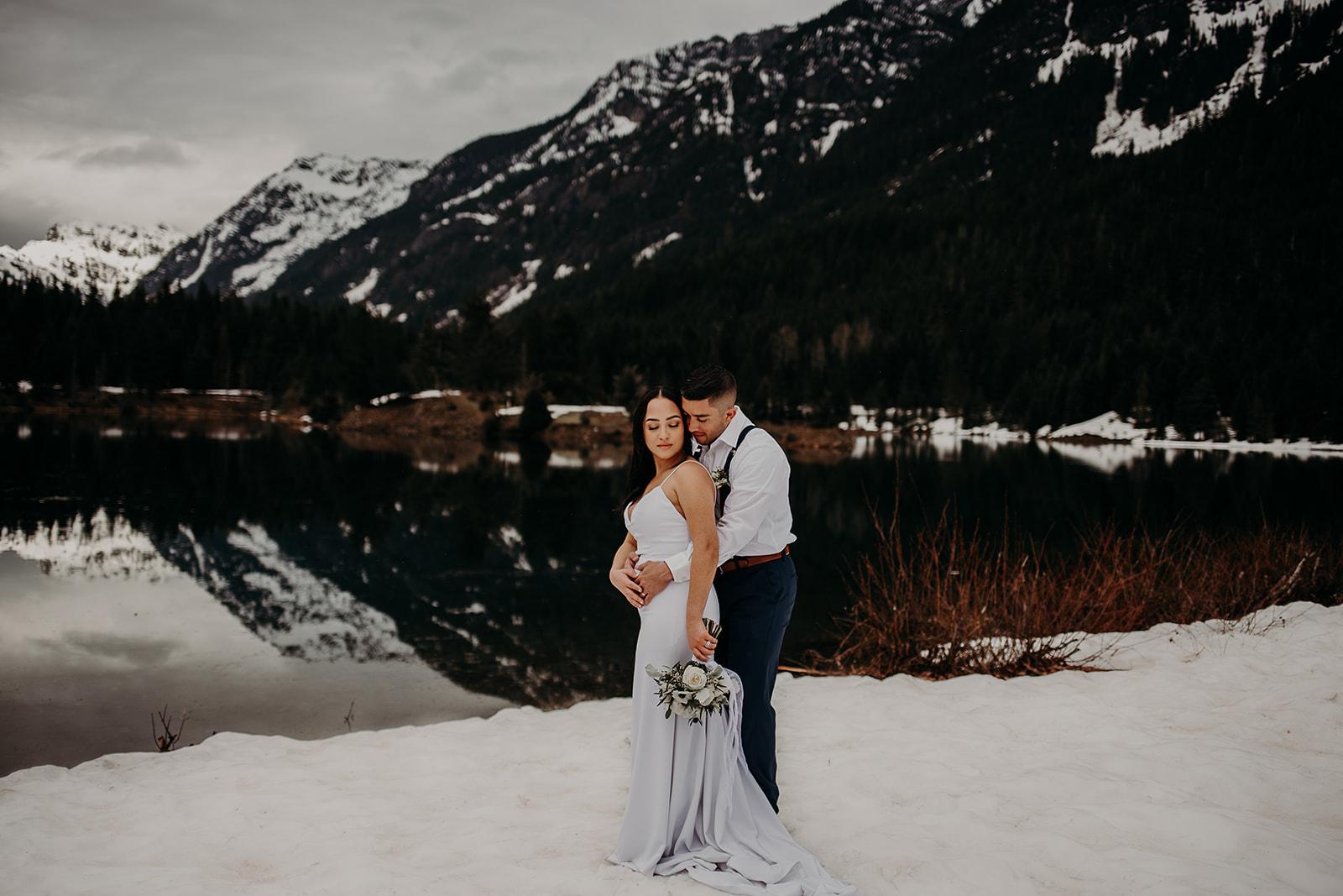 winter-mountain-elopement-asheville-wedding-photographer-megan-gallagher-photographer (22).jpg