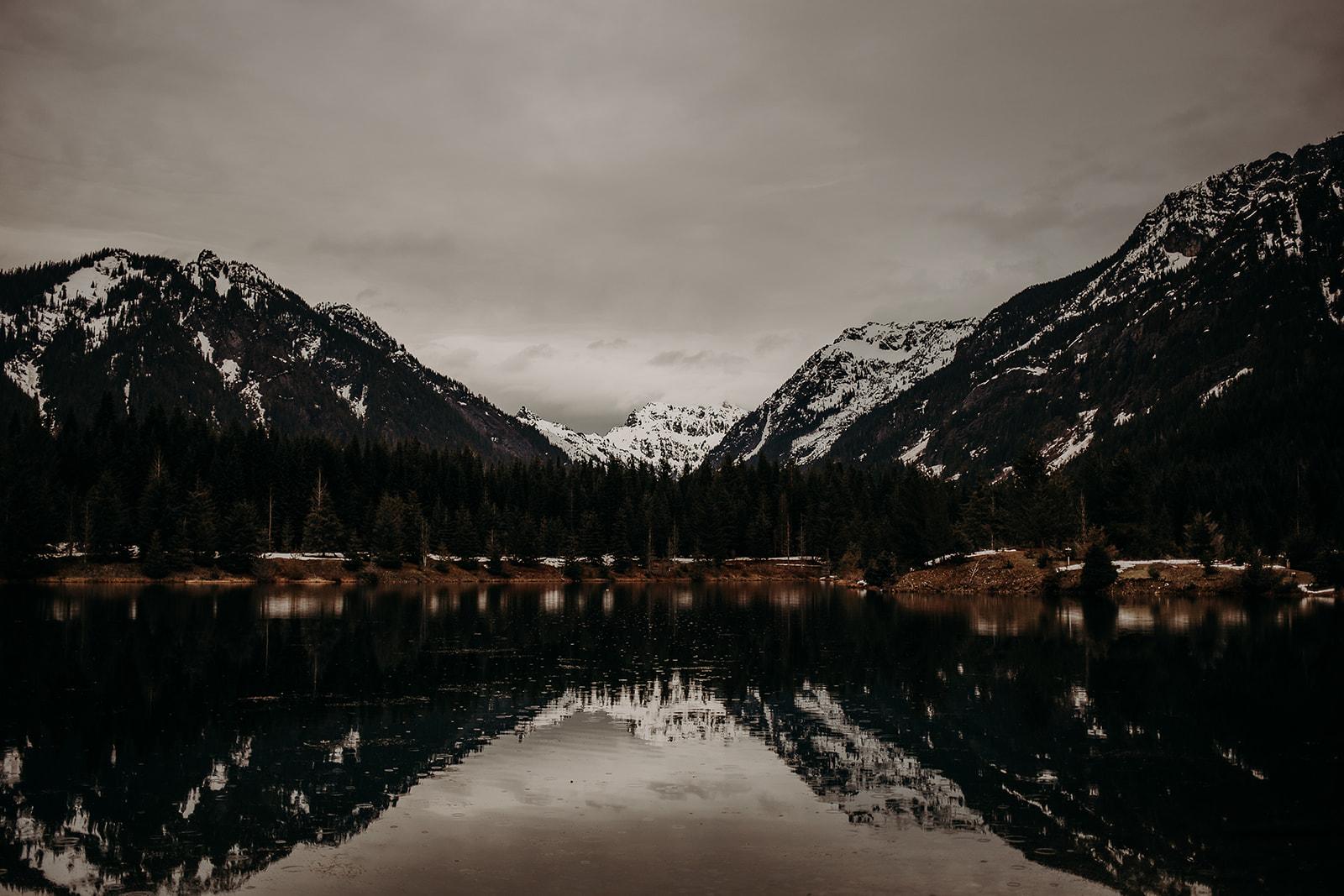 winter-mountain-elopement-asheville-wedding-photographer-megan-gallagher-photographer (34).jpg
