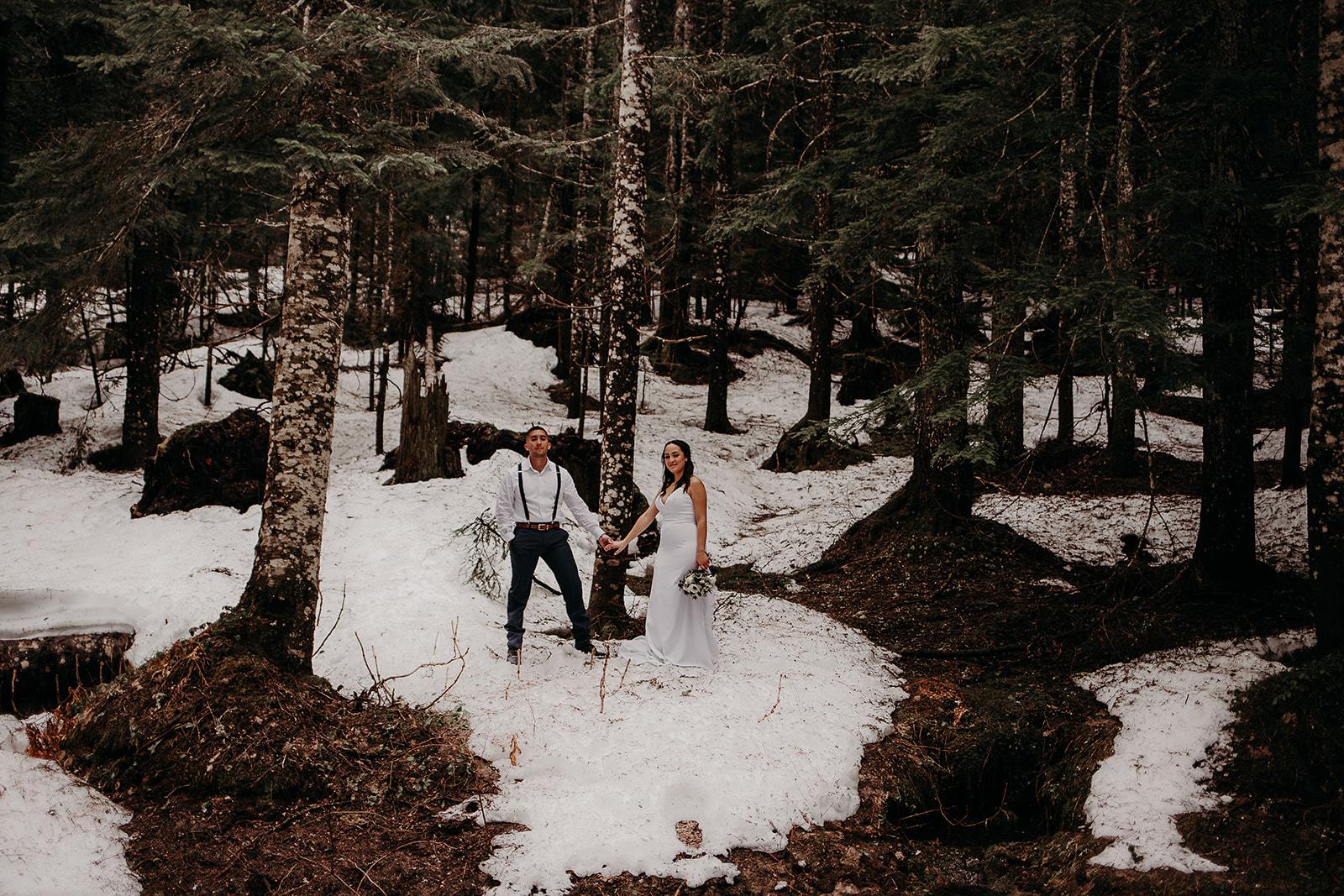 winter-mountain-elopement-asheville-wedding-photographer-megan-gallagher-photographer (59).jpg