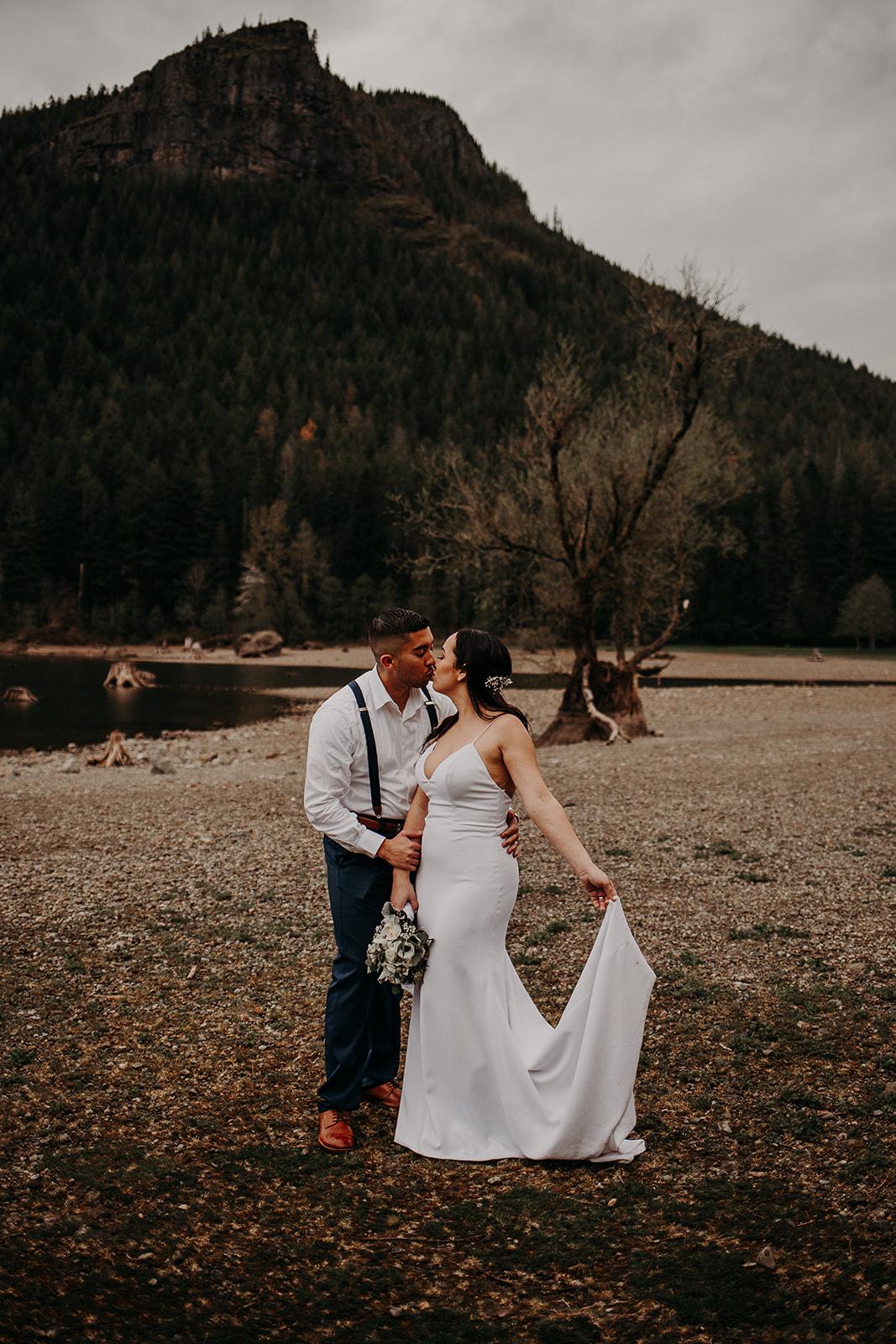 winter-mountain-elopement-asheville-wedding-photographer-megan-gallagher-photographer (67).jpg