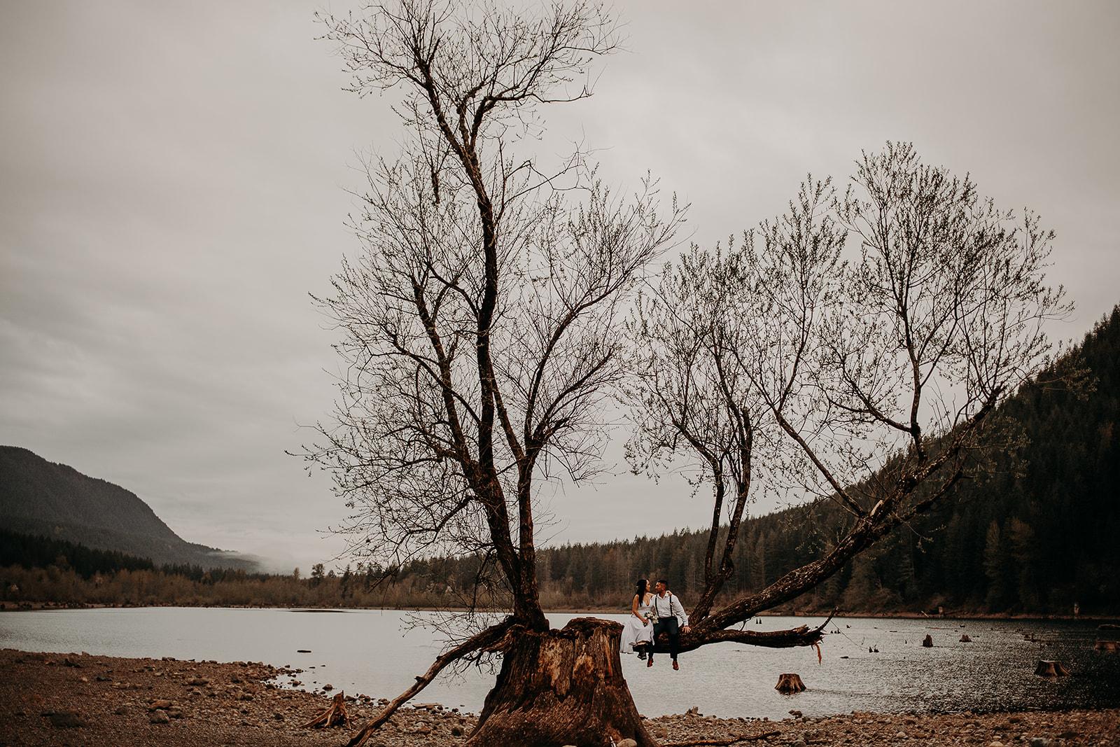 winter-mountain-elopement-asheville-wedding-photographer-megan-gallagher-photographer (74).jpg