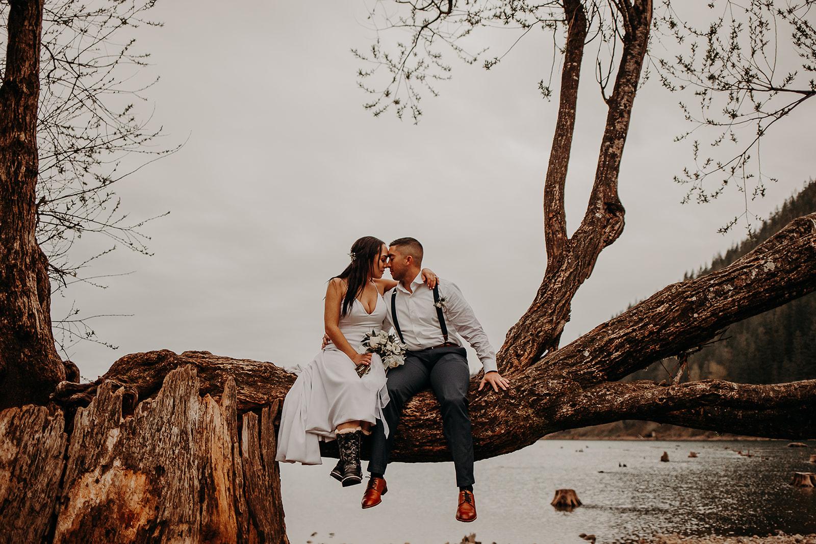 winter-mountain-elopement-asheville-wedding-photographer-megan-gallagher-photographer (76).jpg