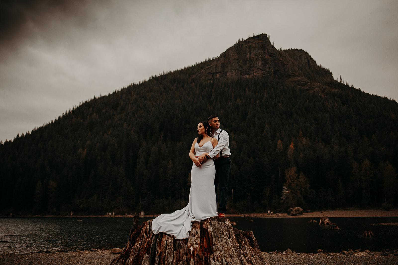winter-mountain-elopement-asheville-wedding-photographer-megan-gallagher-photographer (80).jpg