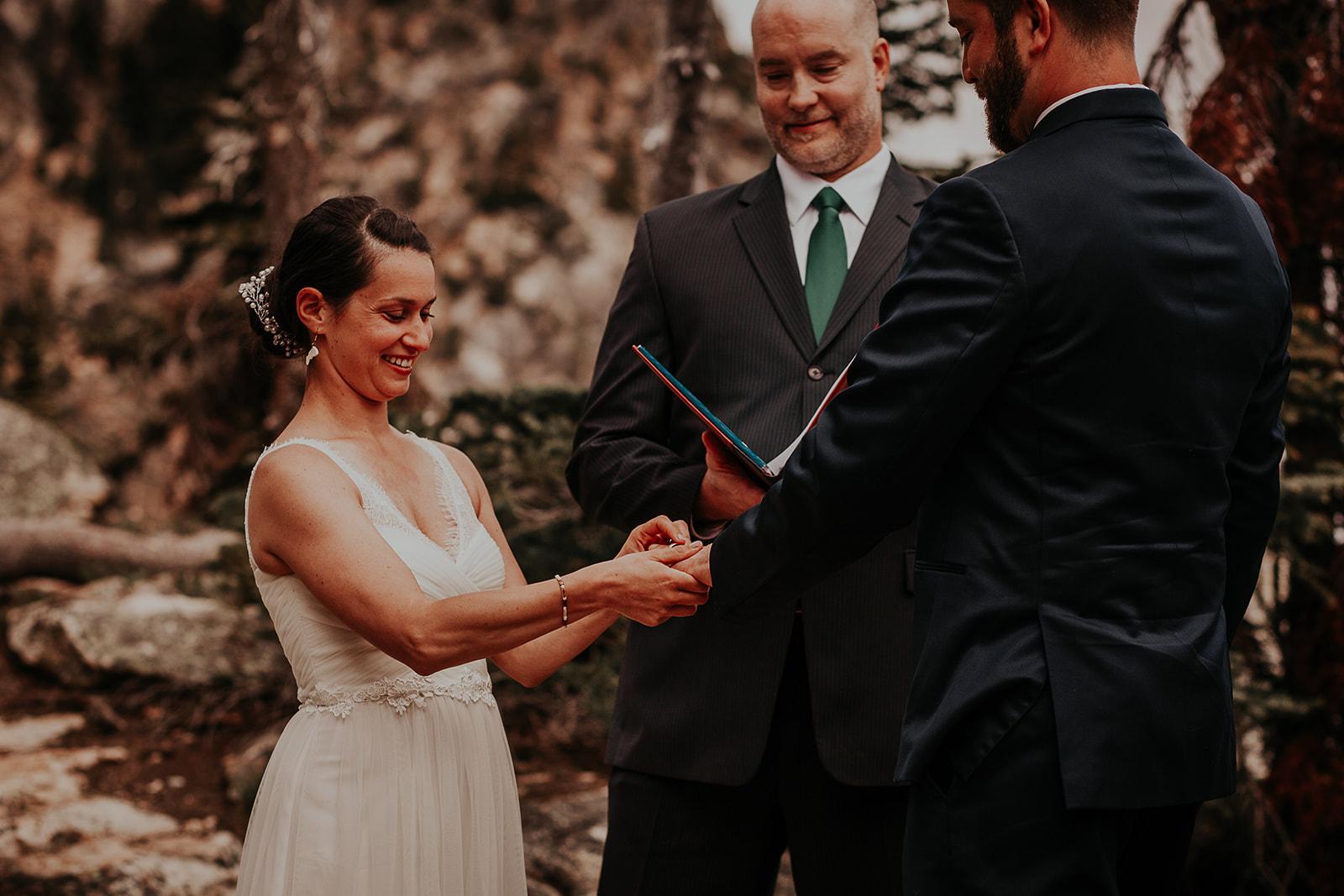 winthrop-wedding-photographer-megan-gallagher-photography (22).jpg