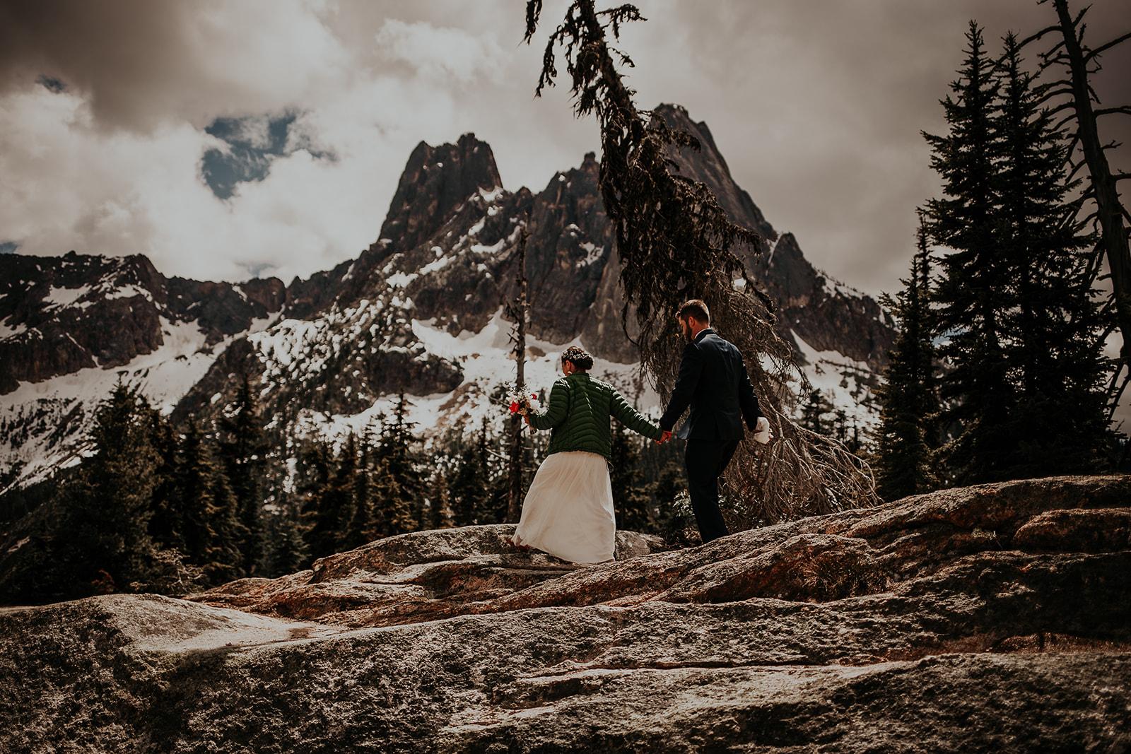 lisaandzack-north-cascades-elopement-wedding-megan-gallagher-photogarphy (2).jpg