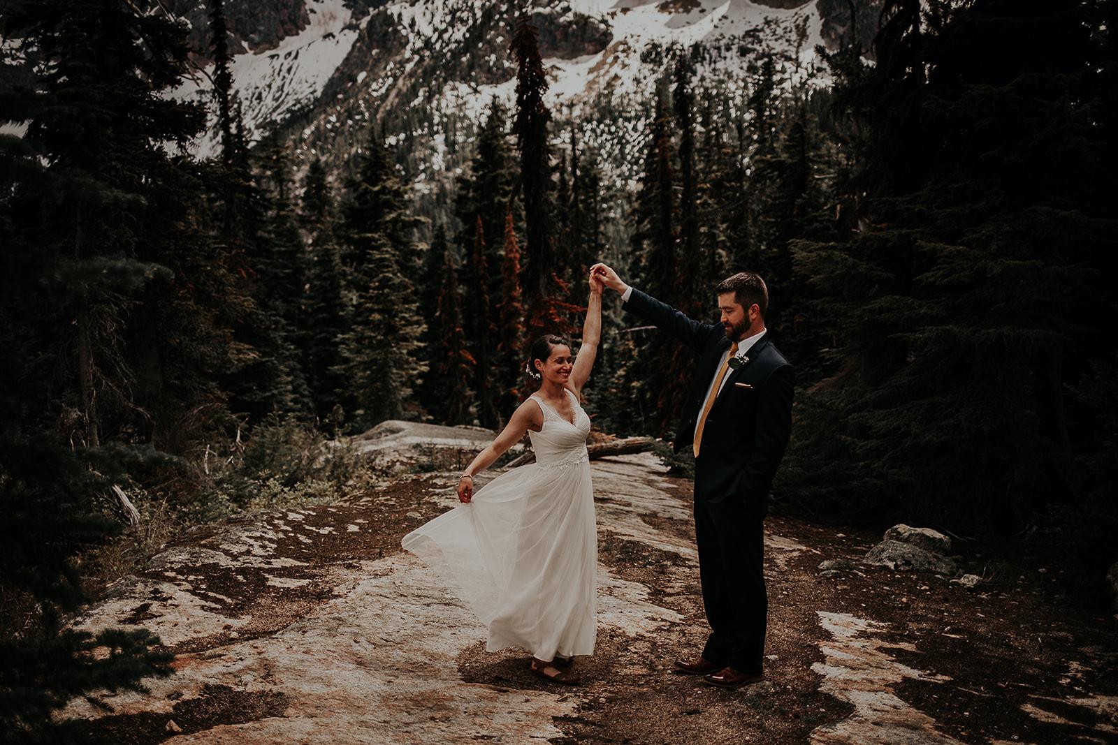 lisaandzack-north-cascades-elopement-wedding-megan-gallagher-photogarphy (13).jpg