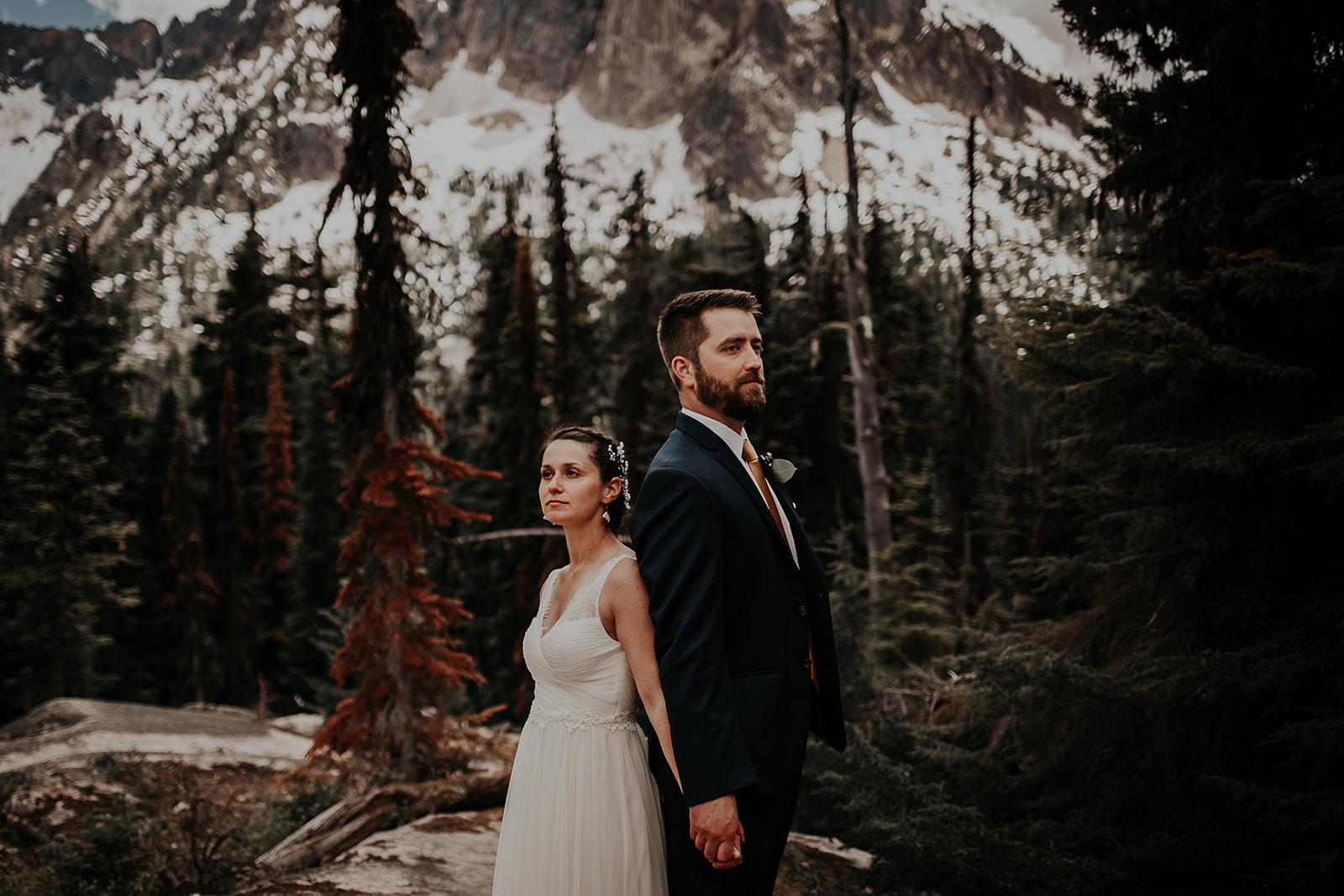 lisaandzack-north-cascades-elopement-wedding-megan-gallagher-photogarphy (16).jpg
