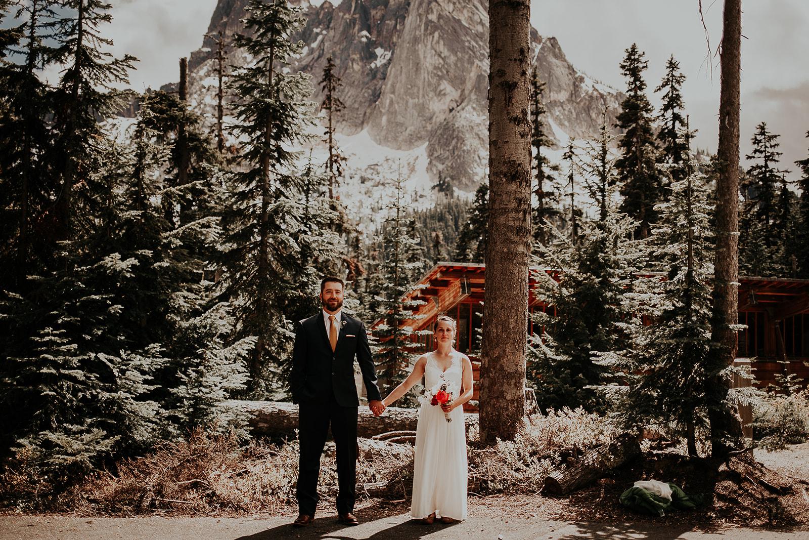 lisaandzack-north-cascades-elopement-wedding-megan-gallagher-photogarphy (19).jpg