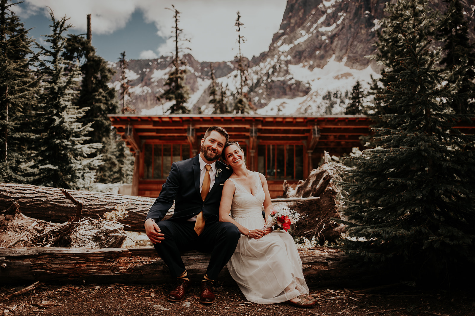 lisaandzack-north-cascades-elopement-wedding-megan-gallagher-photogarphy (20).jpg